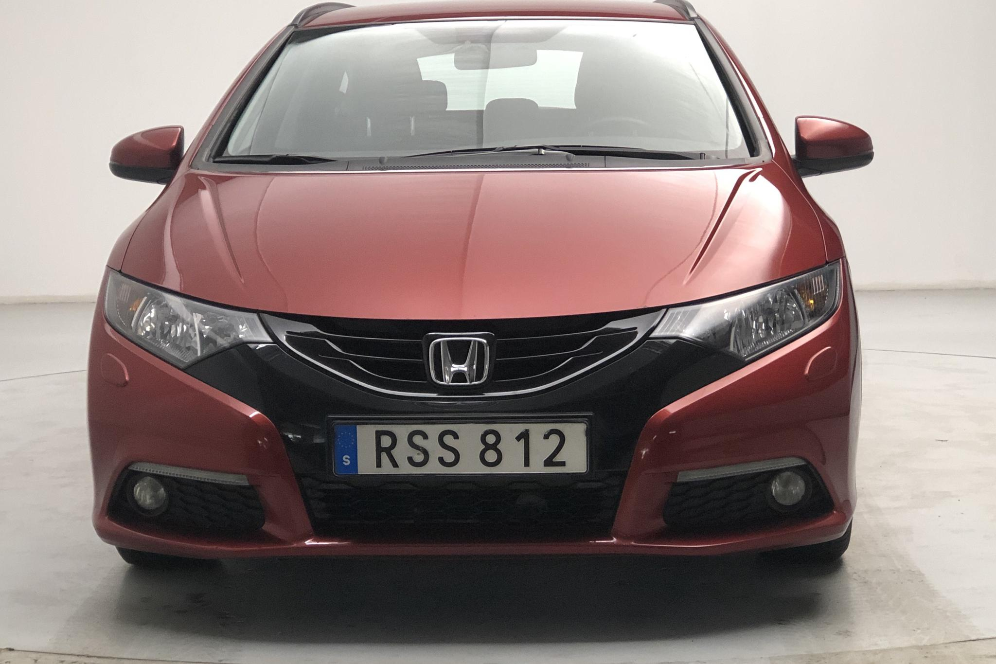 Honda Civic 1.8 i-VTEC Tourer (142hk) - 64 800 km - Automatic - red - 2014