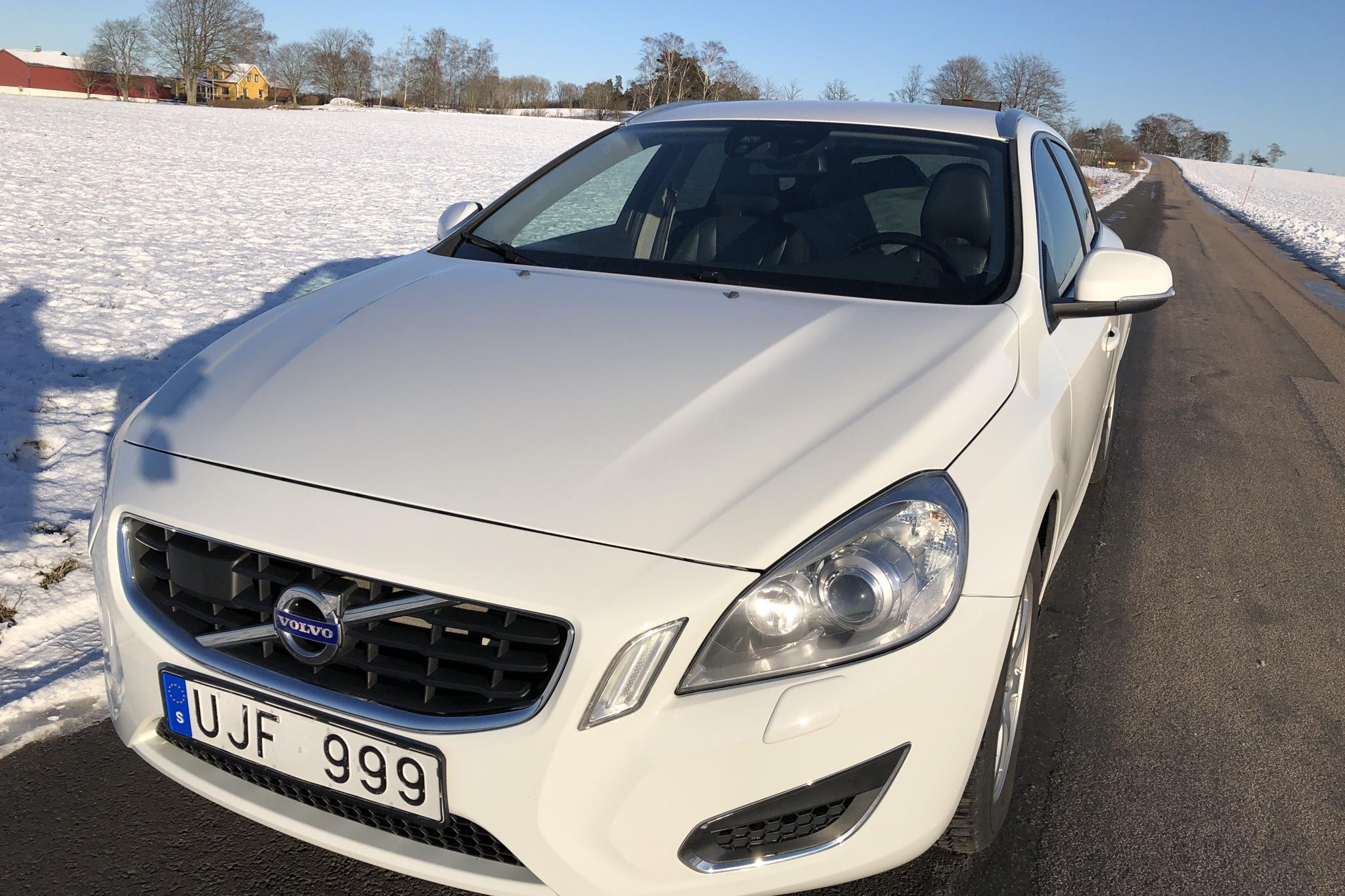 Volvo V60 1.6D DRIVe (115hk) - 153 050 km - Manual - white - 2012