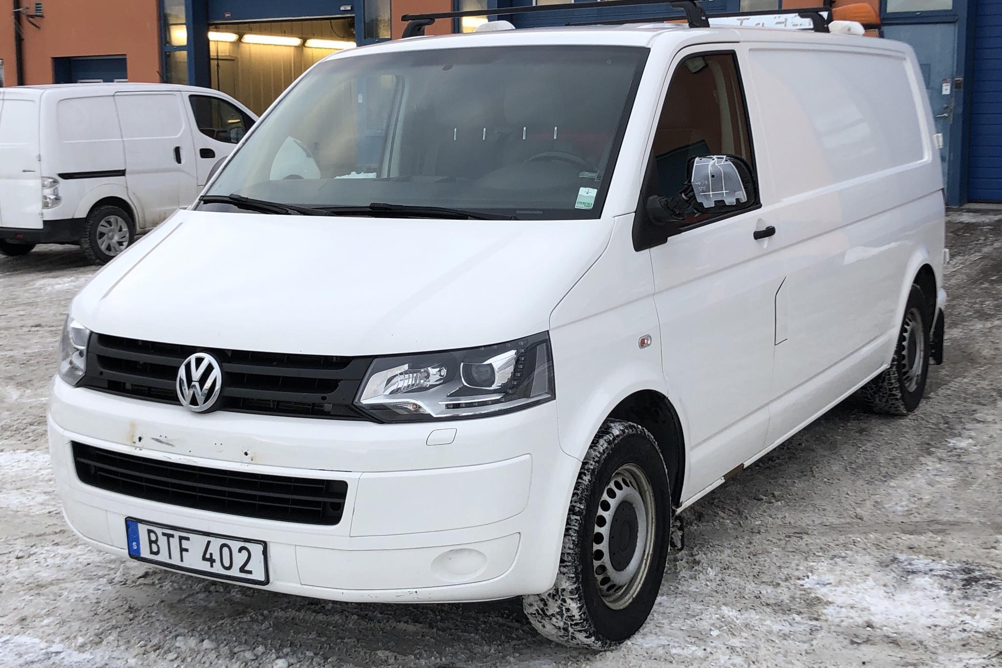 VW Transporter T5 2.0 TDI 4MOTION (140hk) - 9 320 mil - Manuell - vit - 2014
