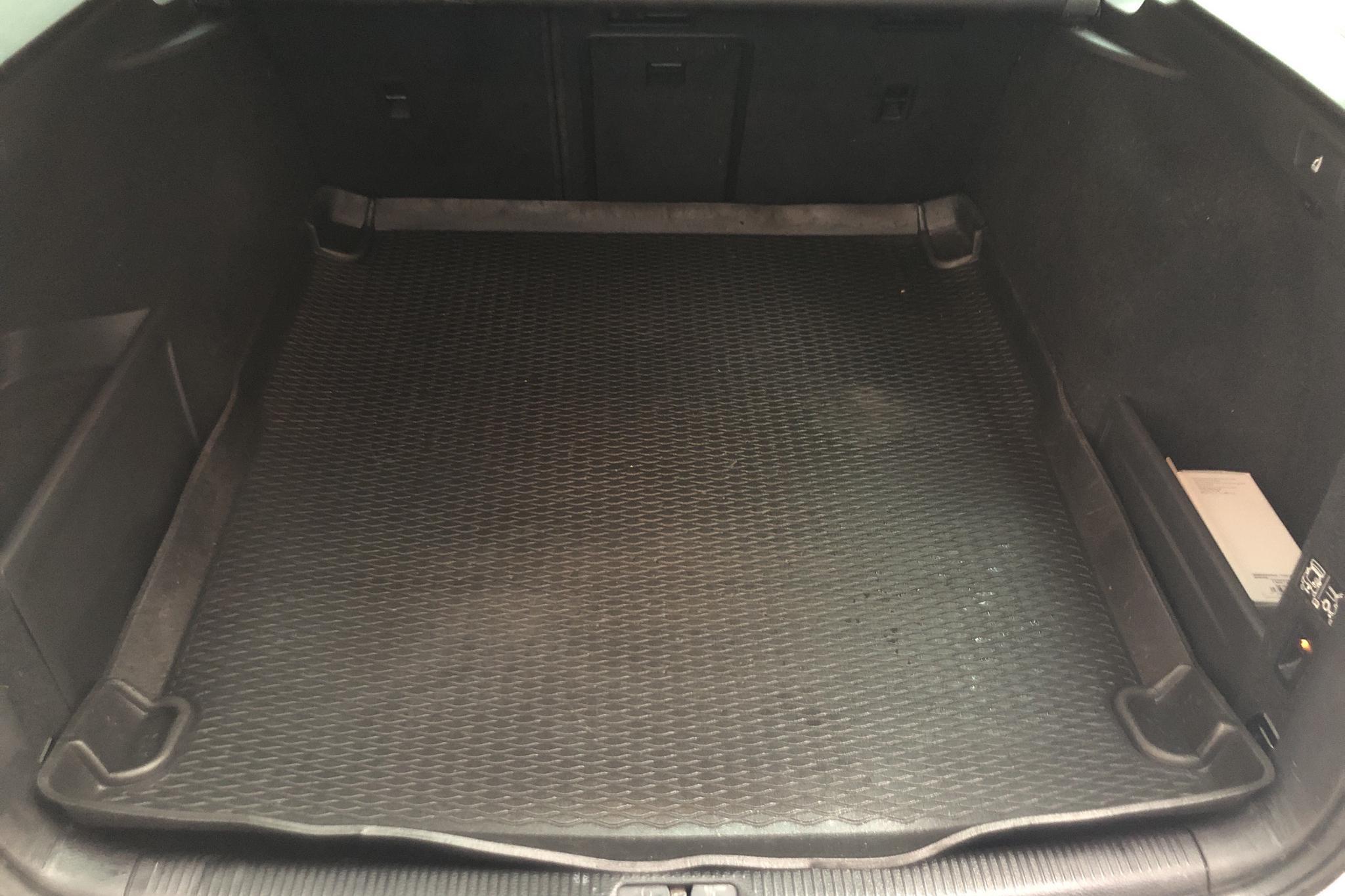 VW Passat 2.0 TDI BlueMotion Technology Variant 4Motion (177hk) - 12 749 mil - Automat - vit - 2014