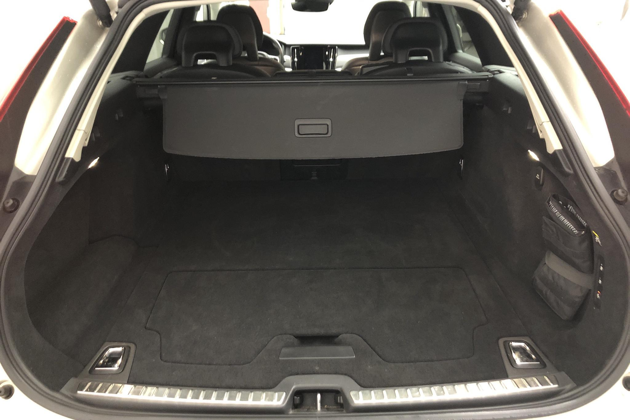 Volvo V90 D3 AWD (150hk) - 13 207 mil - Automat - Light Brown - 2017