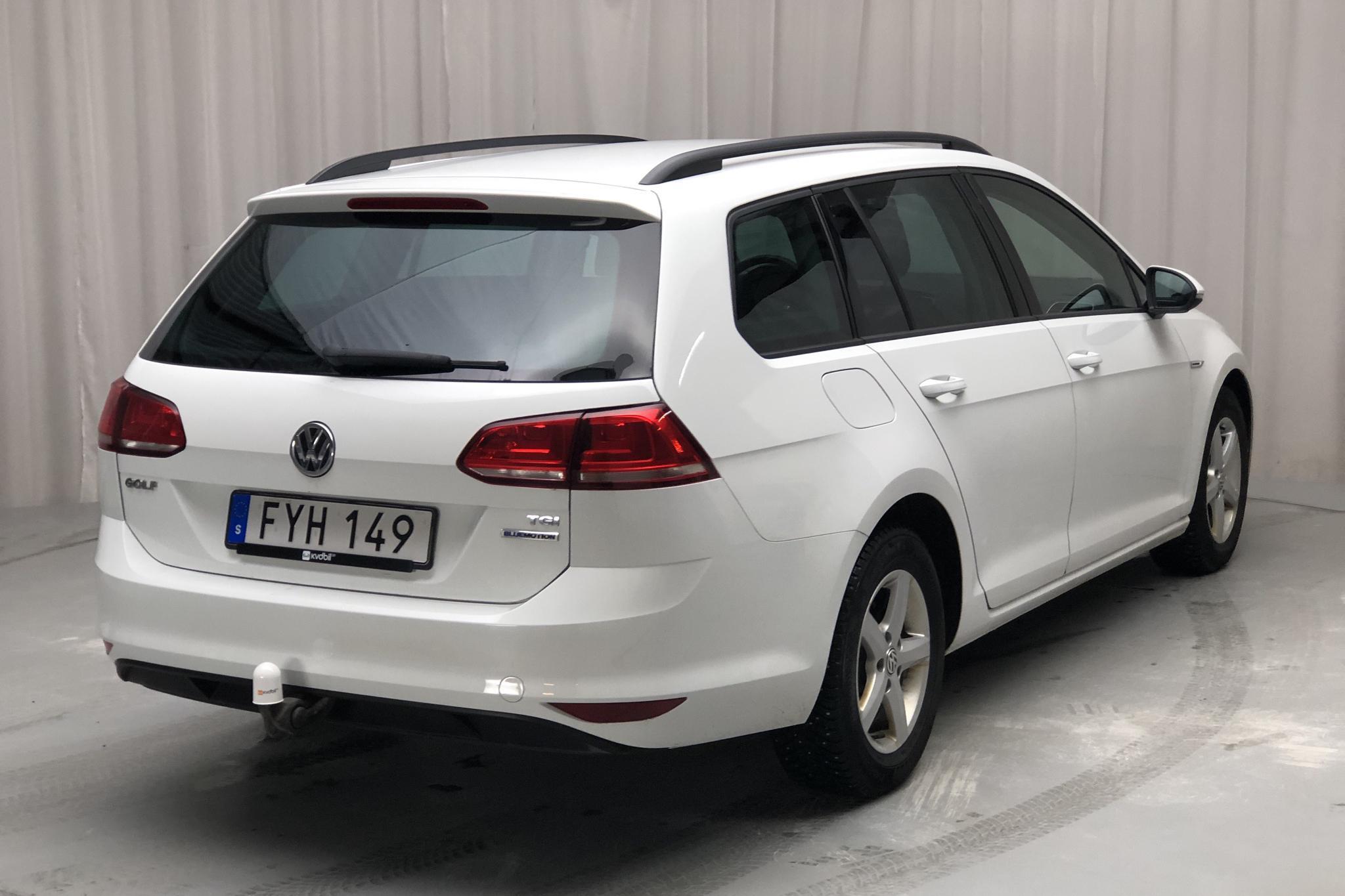 VW Golf VII 1.4 TGI BlueMotion Sportscombi (110hk) - 140 640 km - Manual - white - 2015