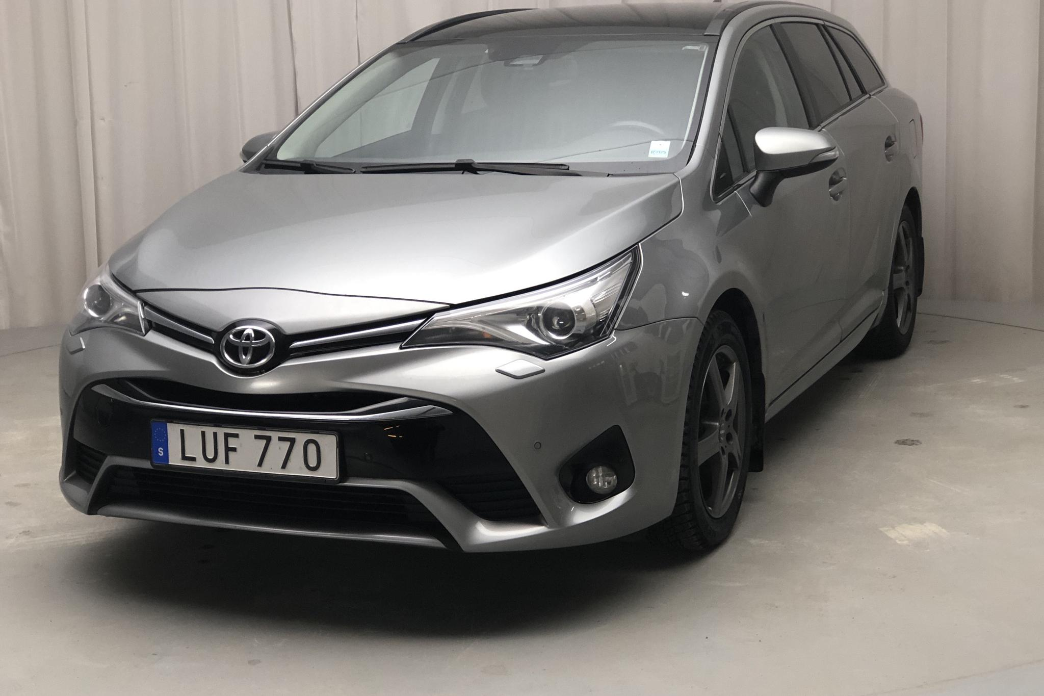 Toyota Avensis 2.0 D-4D Touring Sports (143hk) - 14 288 mil - Manuell - Light Grey - 2017