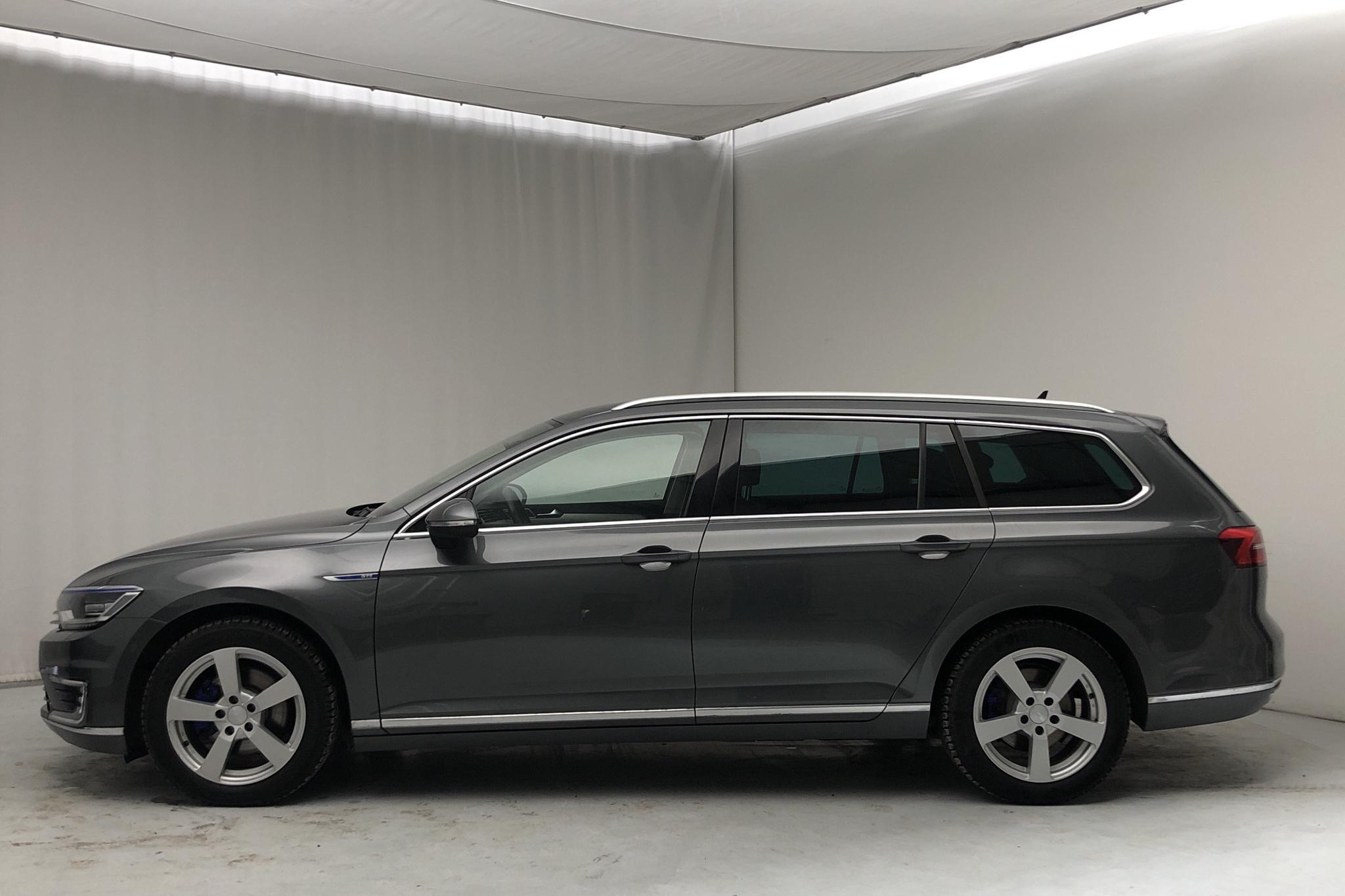 VW Passat 1.4 Plug-in-Hybrid Sportscombi (218hk) - 63 540 km - Automatic - Dark Grey - 2016
