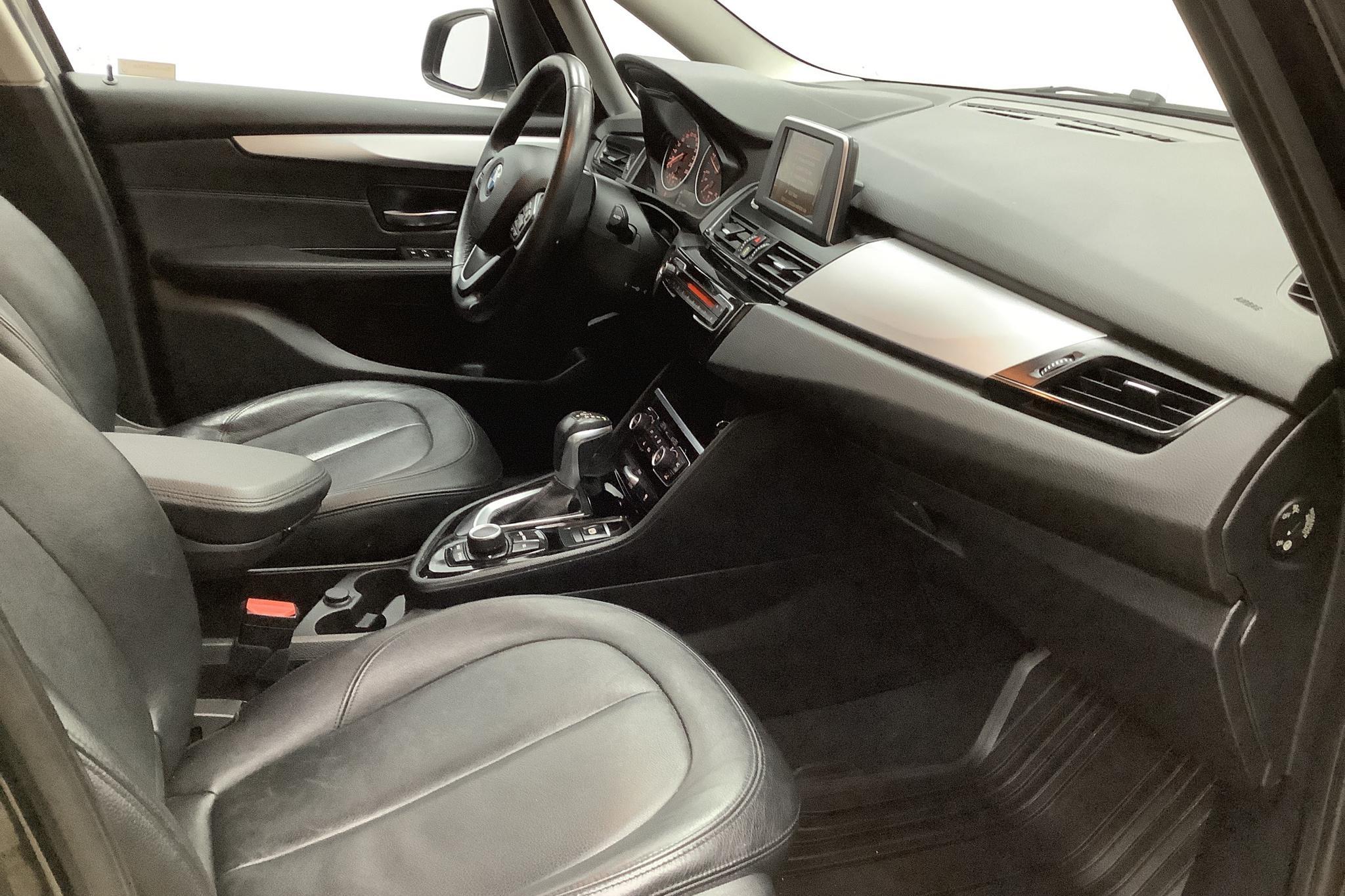 BMW 220d xDrive Gran Tourer, F46 (190hk) - 13 636 mil - Automat - svart - 2017