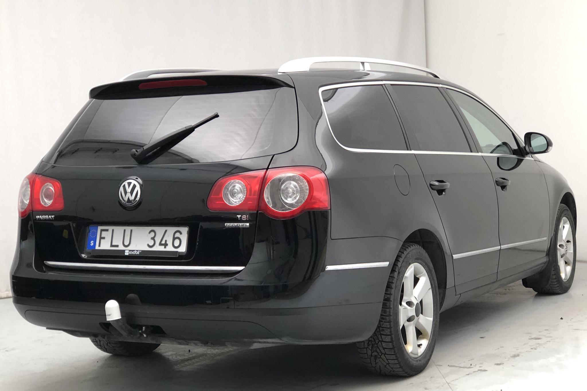 VW Passat 1.4 TSI EcoFuel Variant (150hk) - 18 589 mil - Manuell - svart - 2010