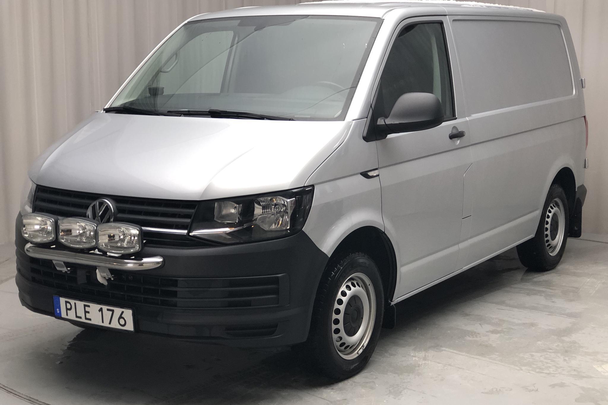 VW Transporter T6 2.0 TDI BMT Skåp (150hk) - 67 980 km - Automatic - silver - 2017
