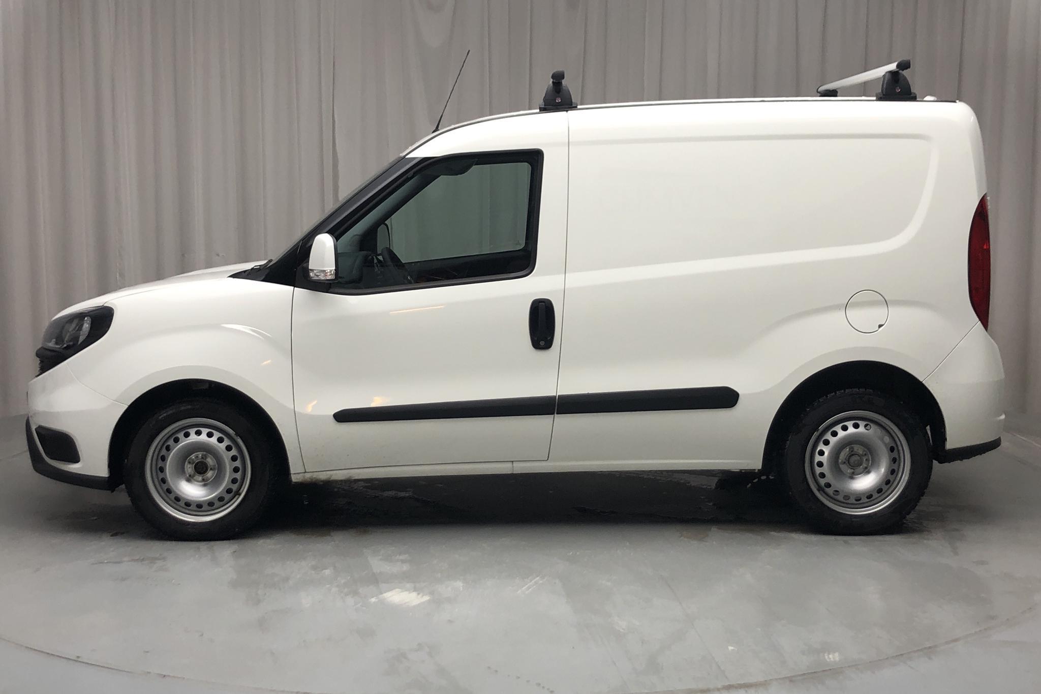 Fiat Doblo Cargo 1.6 MJT (105hk) - 6 790 km - Manual - white - 2019