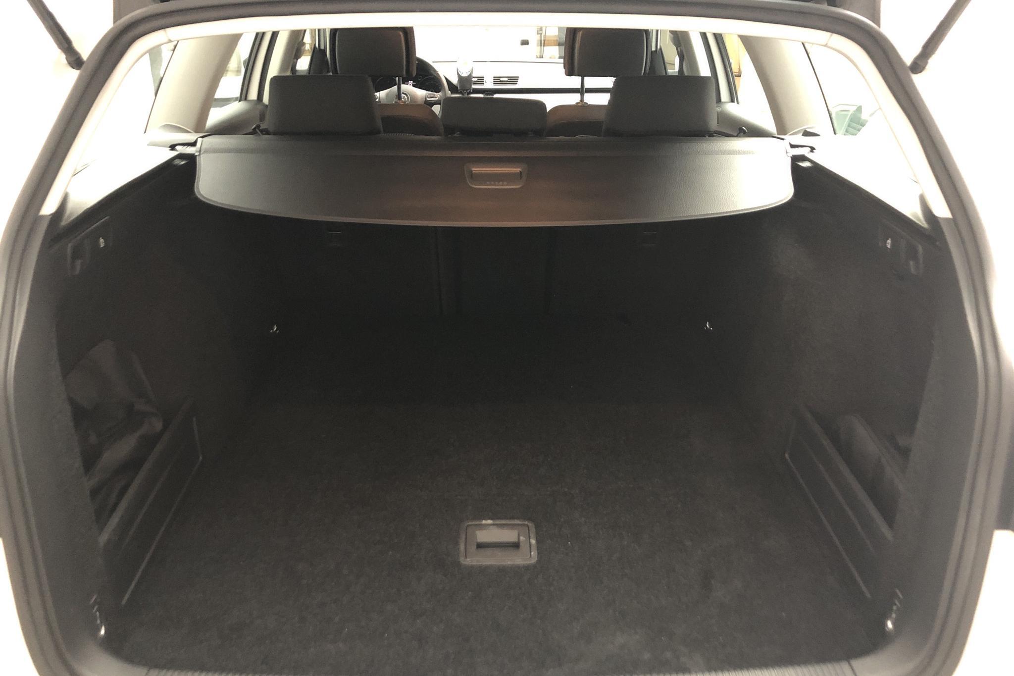 VW Passat 1.4 TSI EcoFuel Variant (150hk) - 97 990 km - Manual - white - 2012