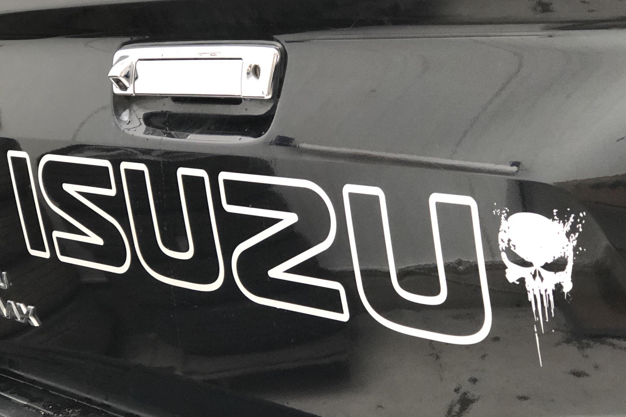 Isuzu D-MAX 1.9 DDI 4WD (163hk) - 8 117 mil - Automat - svart - 2018