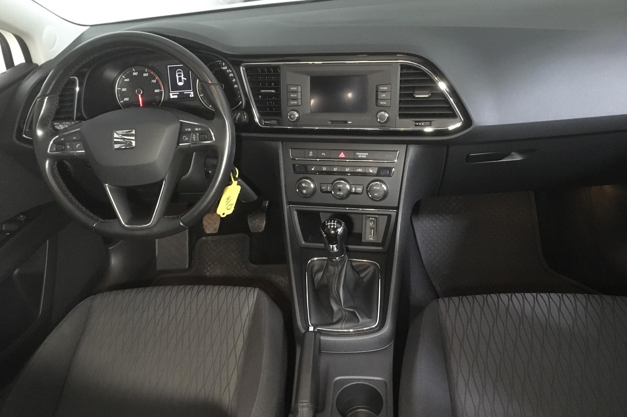 Seat Leon 1.2 TSI ST (110hk) - 39 450 km - Manual - white - 2016
