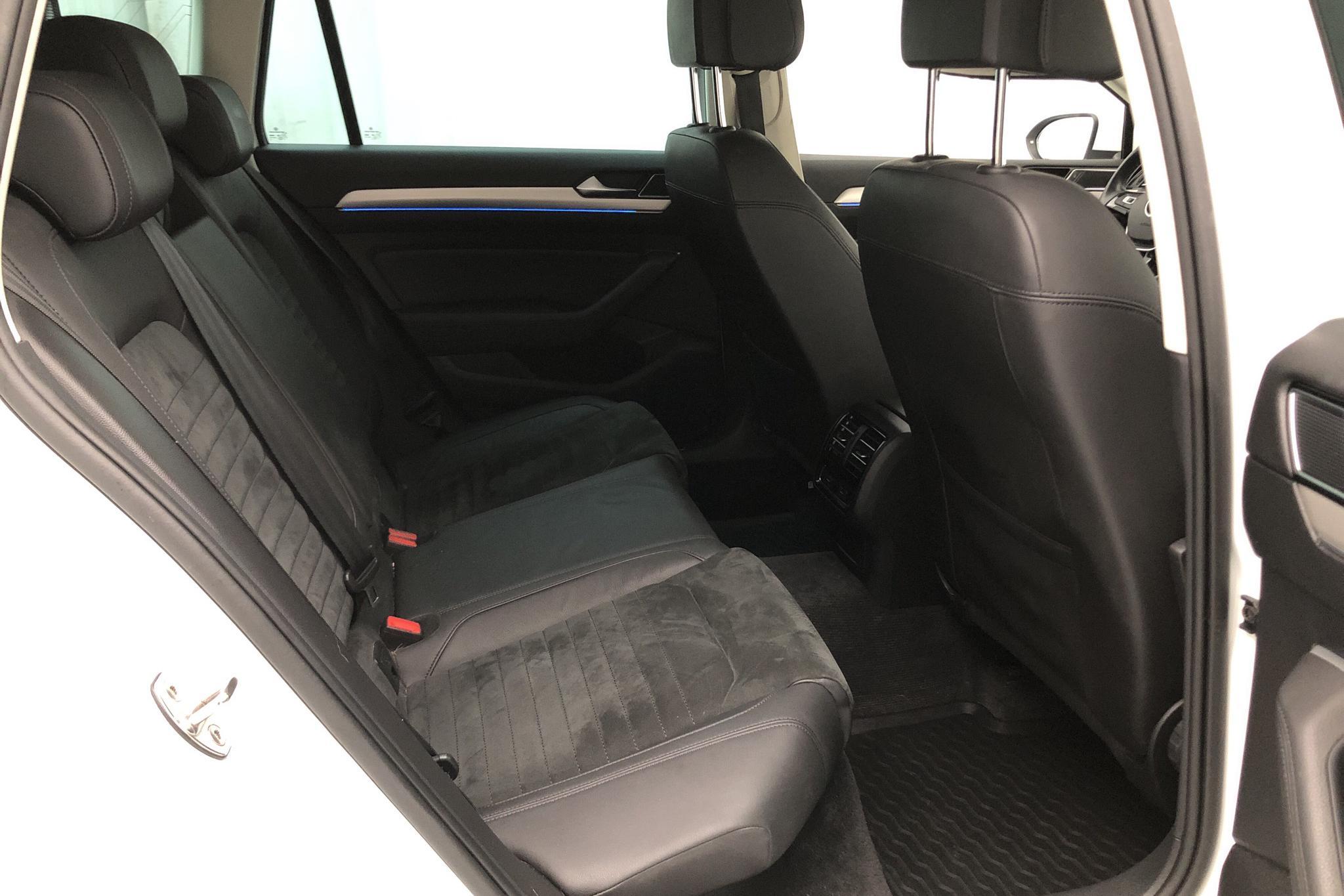 VW Passat 1.4 Plug-in-Hybrid Sportscombi (218hk) - 11 247 mil - Automat - vit - 2017
