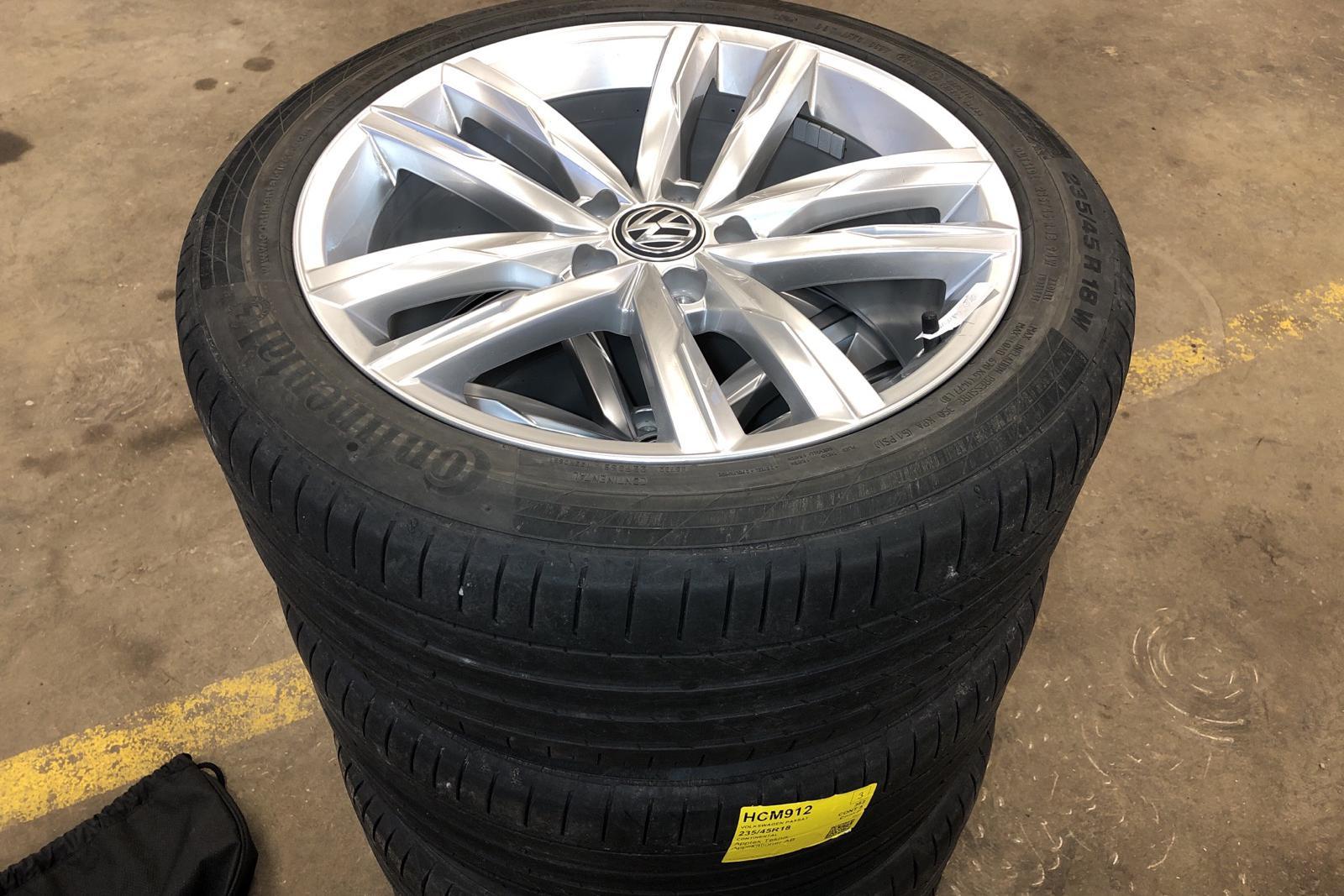 VW Passat 1.4 Plug-in-Hybrid Sportscombi (218hk) - 5 060 mil - Automat - blå - 2018