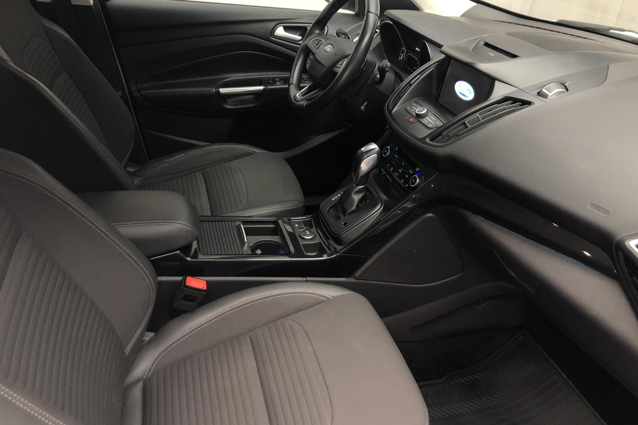 Ford Kuga 2.0 TDCi AWD (150hk) - 10 671 mil - Automat - vit - 2018