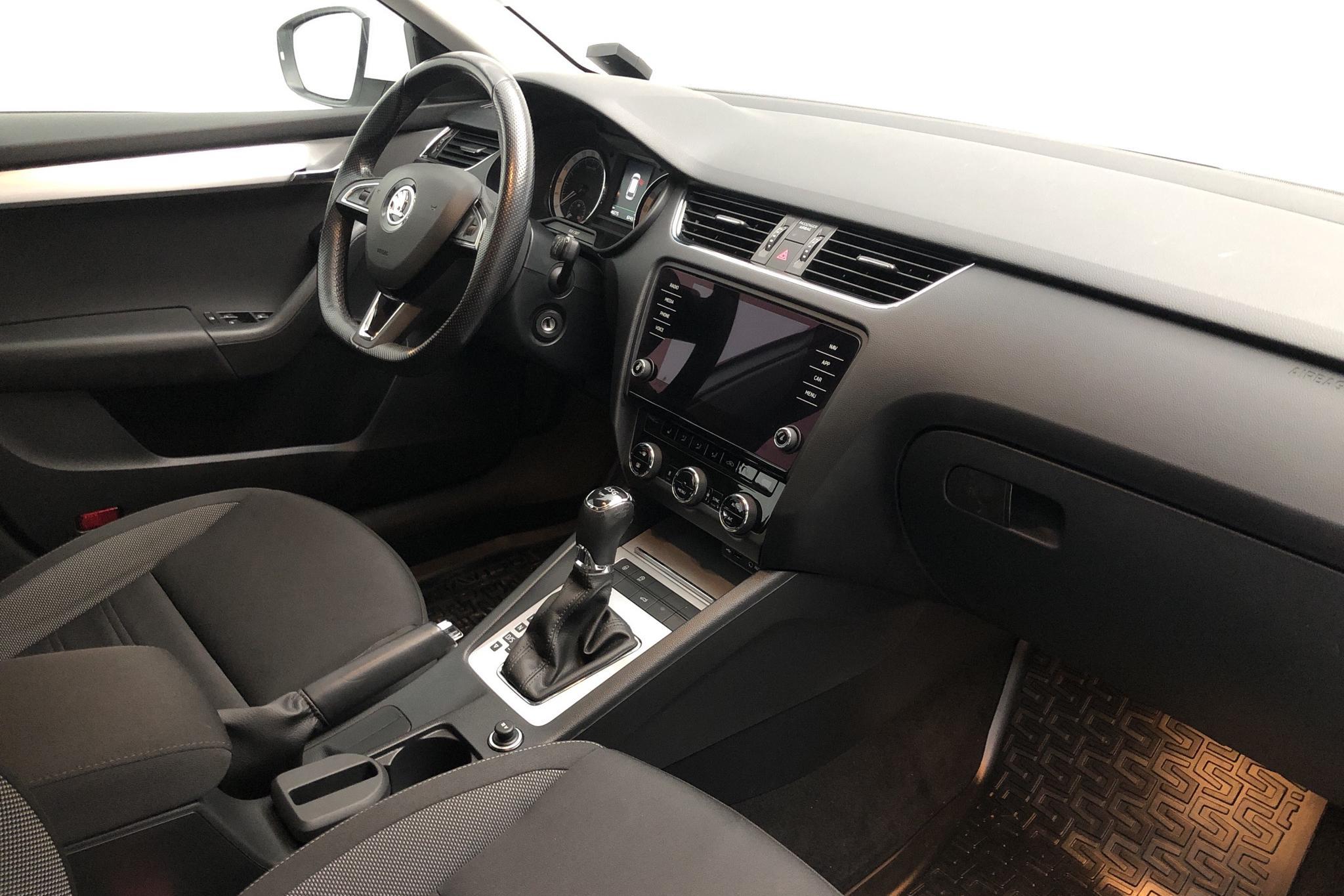 Skoda Octavia III 1.6 TDI Combi (115hk) - 46 270 km - Automatic - white - 2018