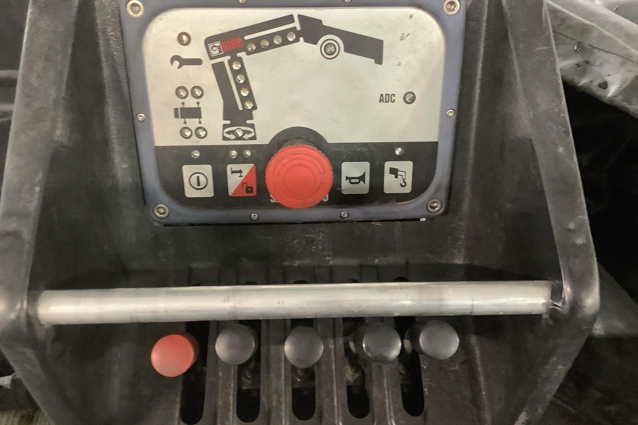 VW Crafter 35 2.5 TDI Flak (163hk) - 272 970 km - Manual - white - 2011