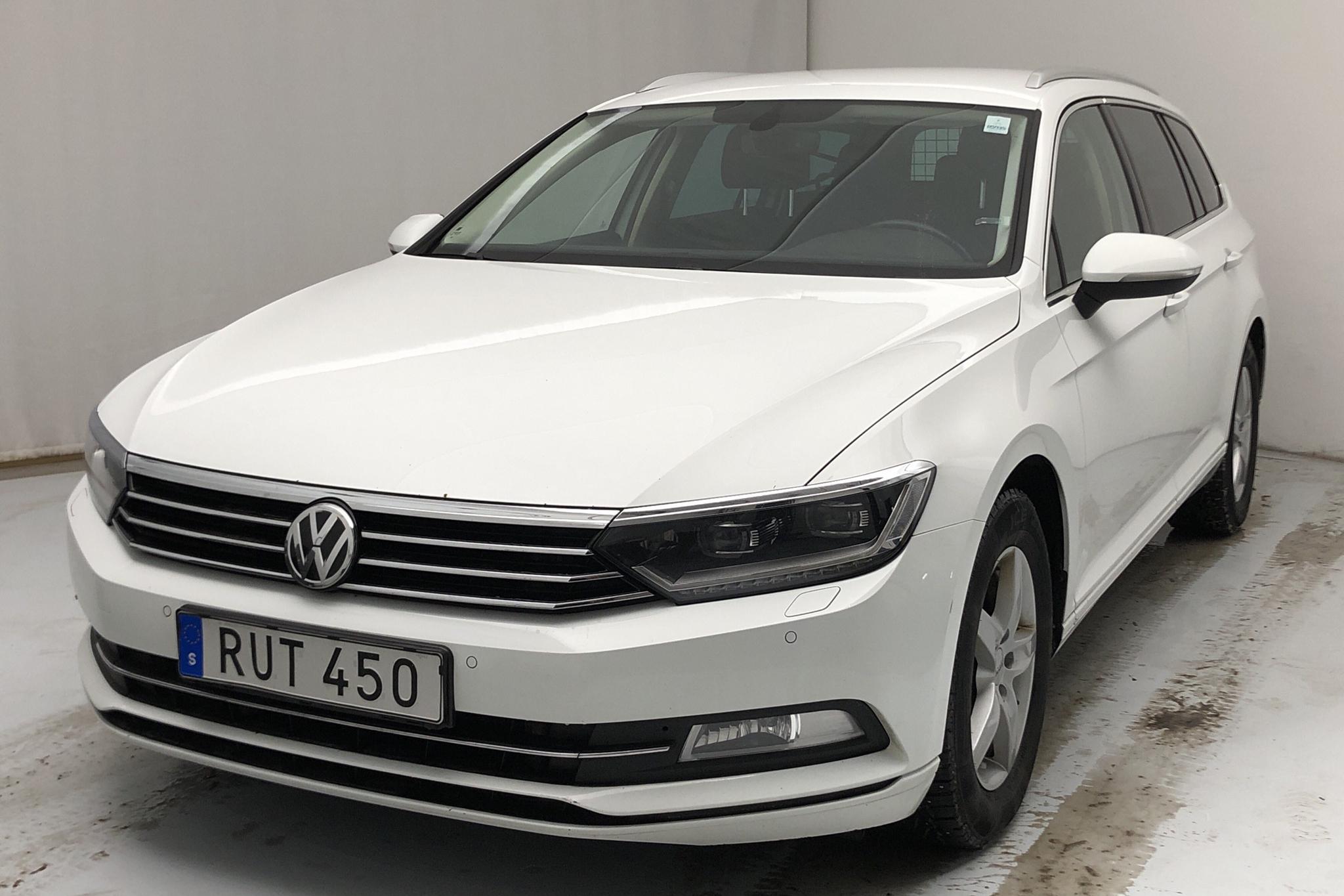 VW Passat 2.0 TDI Sportscombi (150hk) - 146 750 km - Automatic - white - 2017