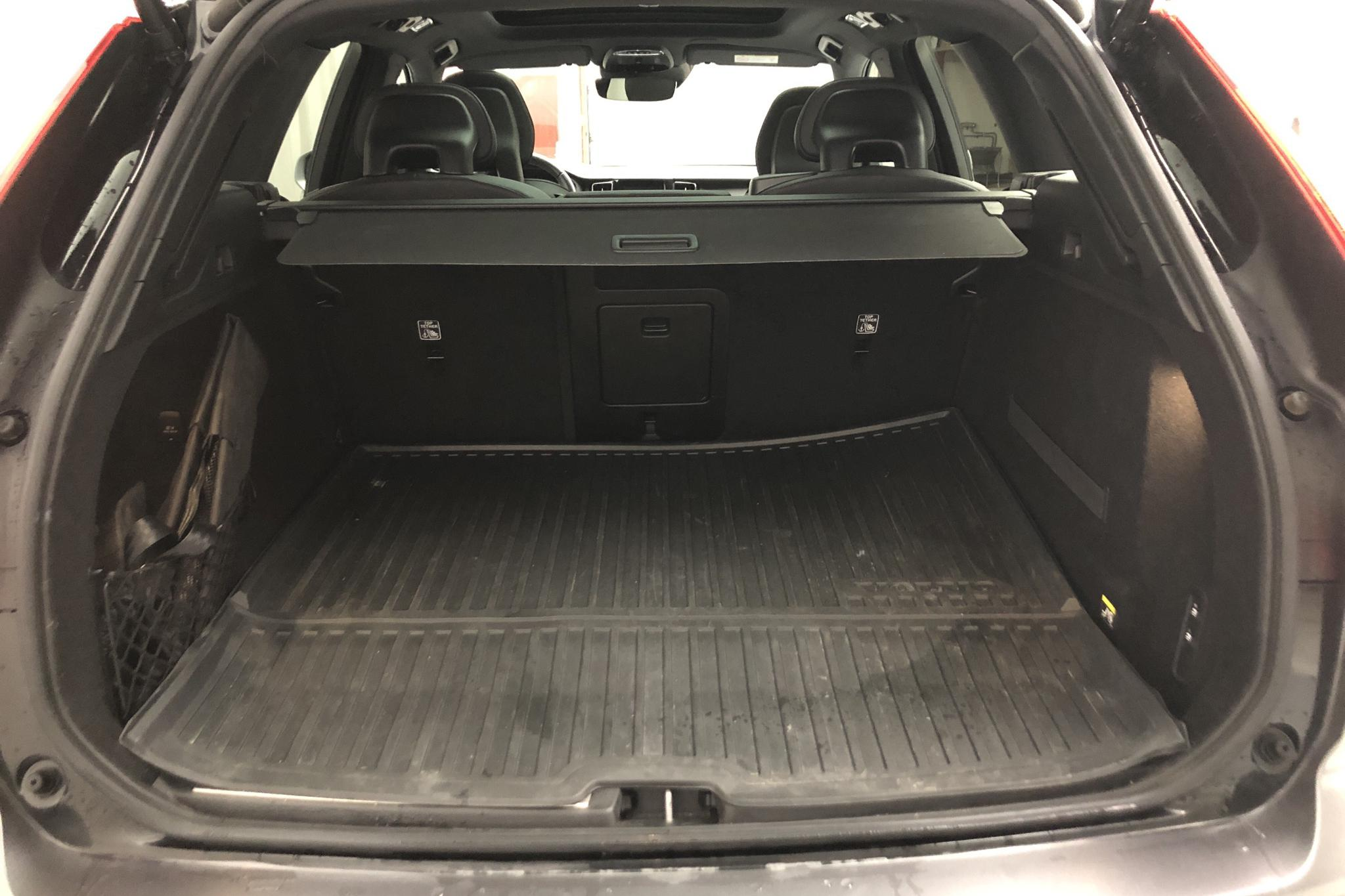 Volvo XC60 T8 AWD Twin Engine (407hk) - 82 910 km - Automatic - black - 2018
