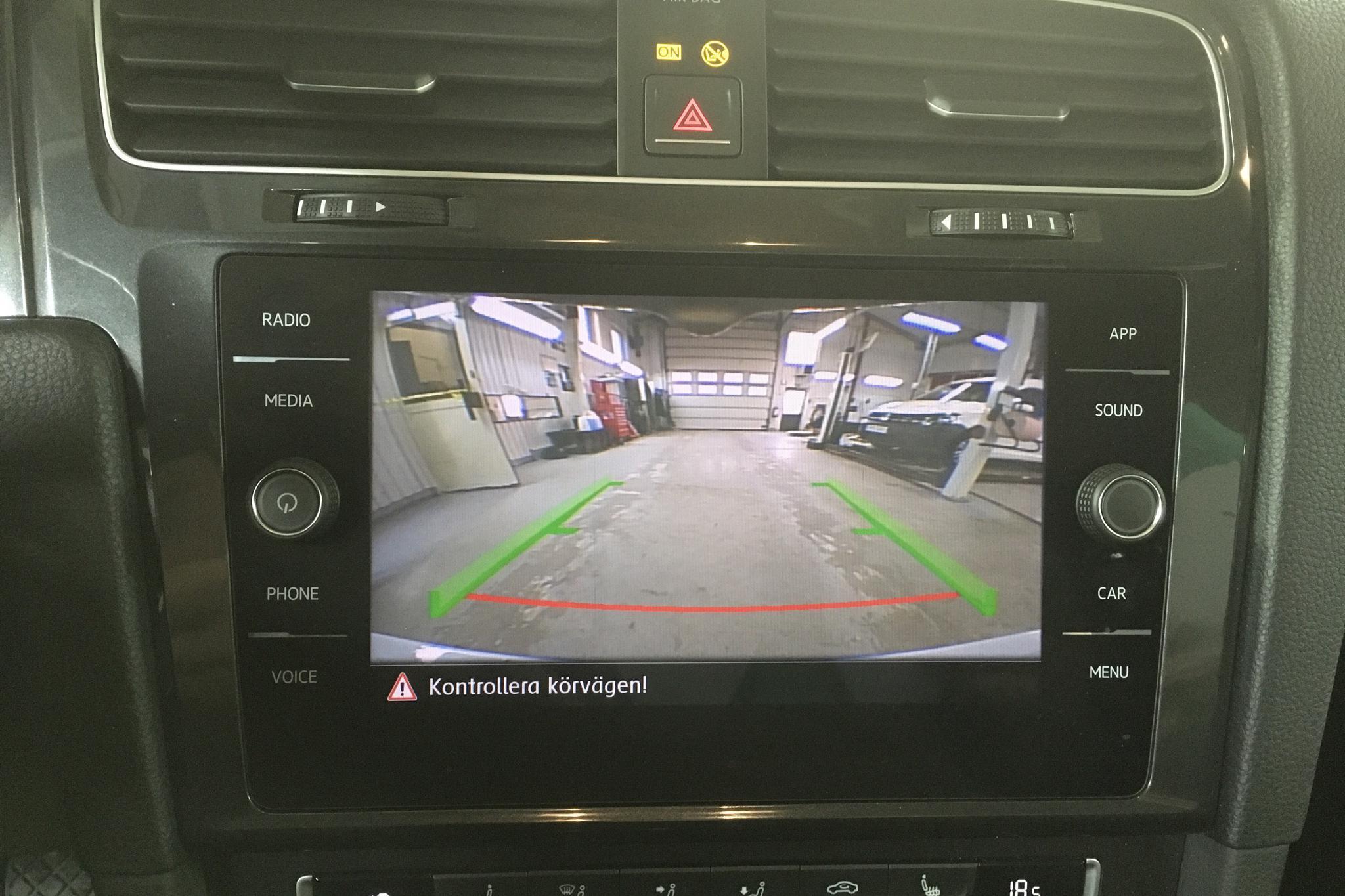VW Golf VII 1.6 TDI Sportscombi (115hk) - 79 150 km - Manual - white - 2018