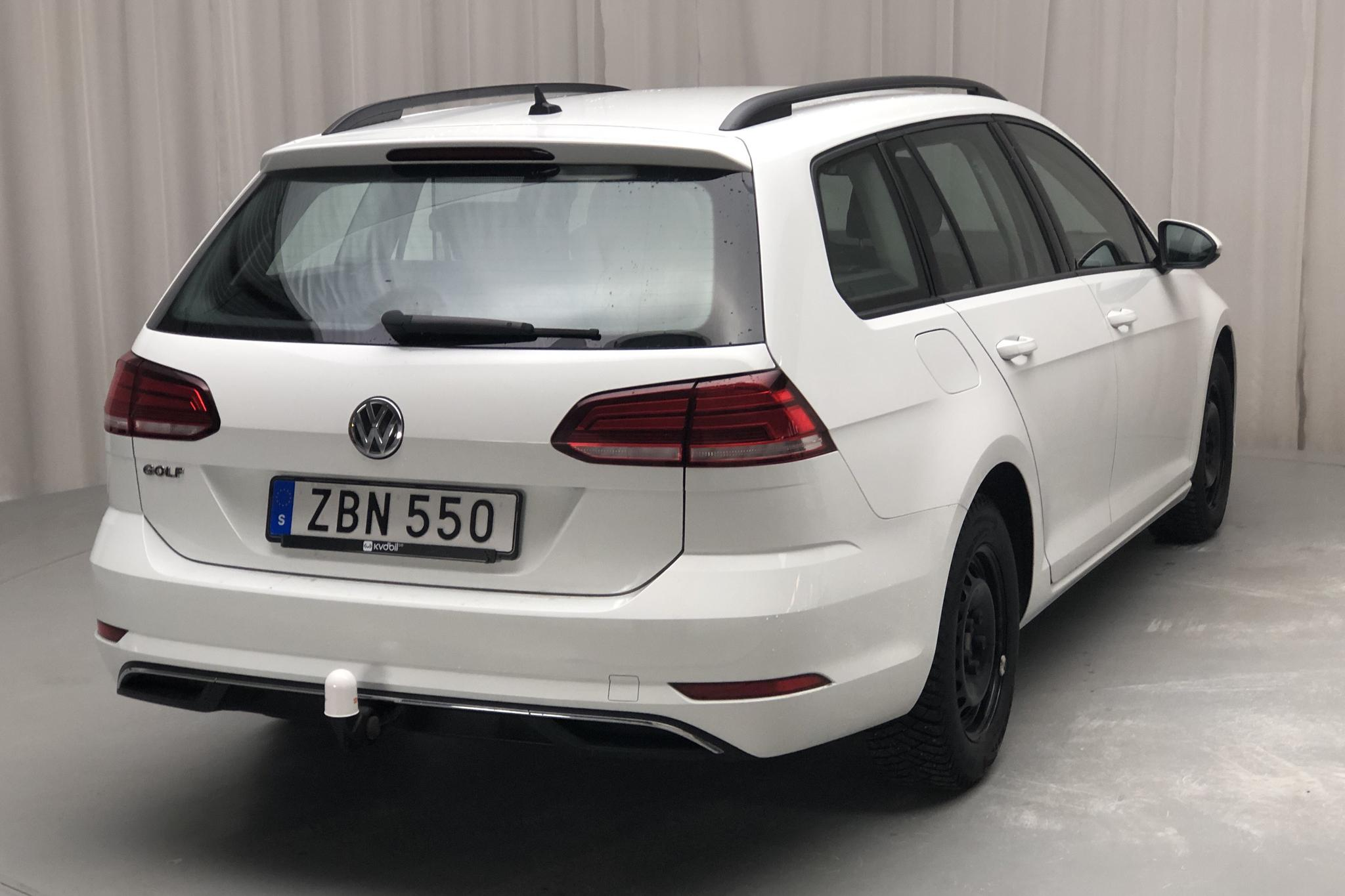 VW Golf VII 1.6 TDI Sportscombi (115hk) - 7 915 mil - Manuell - vit - 2018
