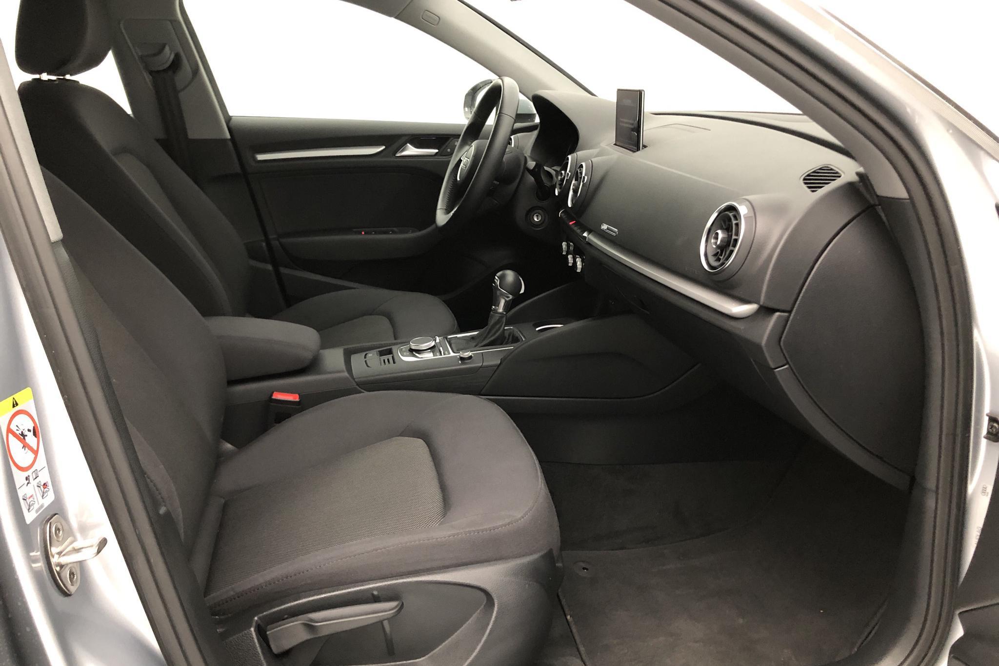 Audi A3 1.5 TFSI Sportback (150hk) - 17 160 km - Automatic - silver - 2018