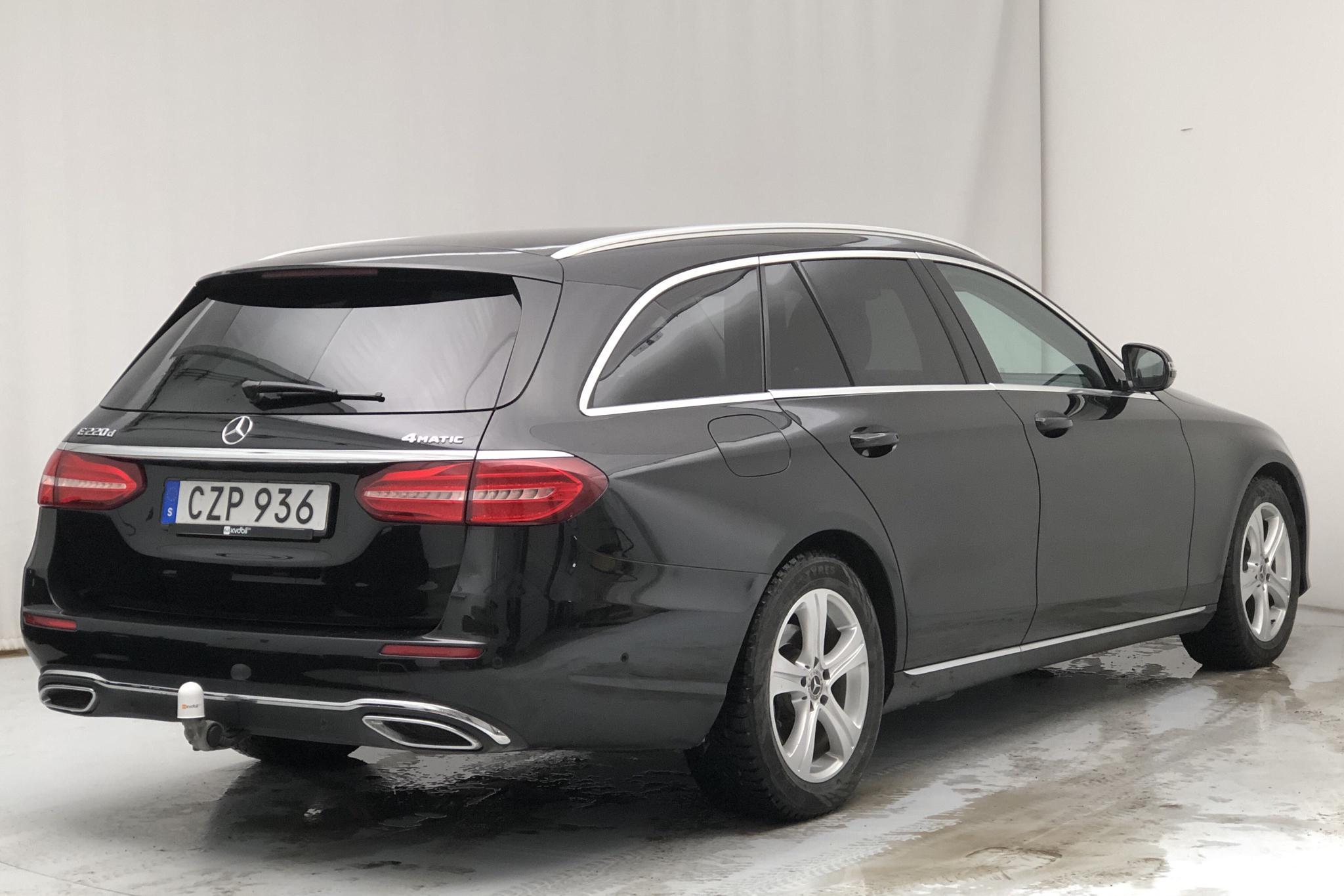Mercedes E 220 d 4MATIC Kombi S213 (194hk) - 13 866 mil - Automat - svart - 2017