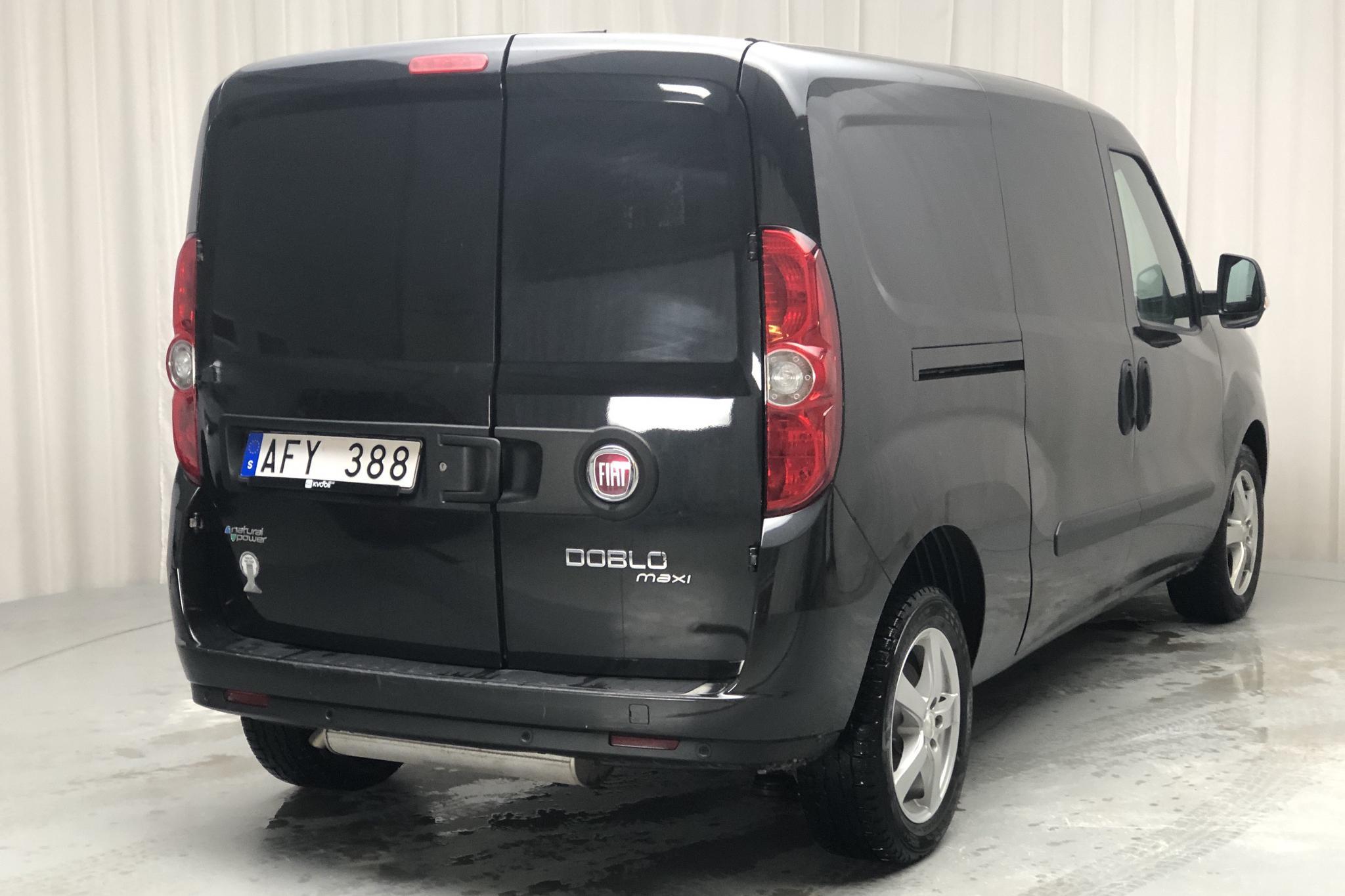Fiat Doblo Cargo 1.4 CNG (95hk) - 3 959 mil - Manuell - svart - 2011