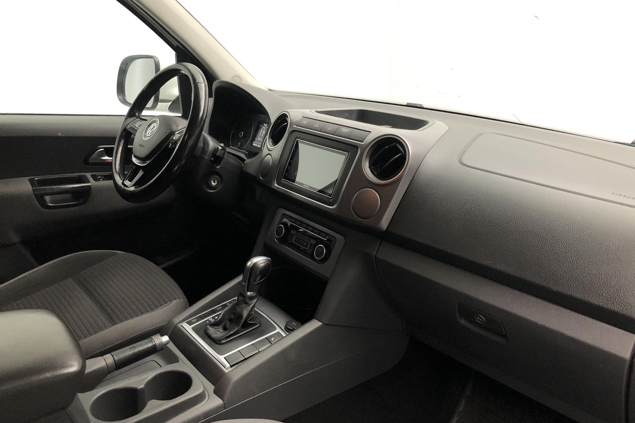 VW Amarok 2.0 TDI 4motion (180hk) - 228 070 km - Automatic - white - 2016