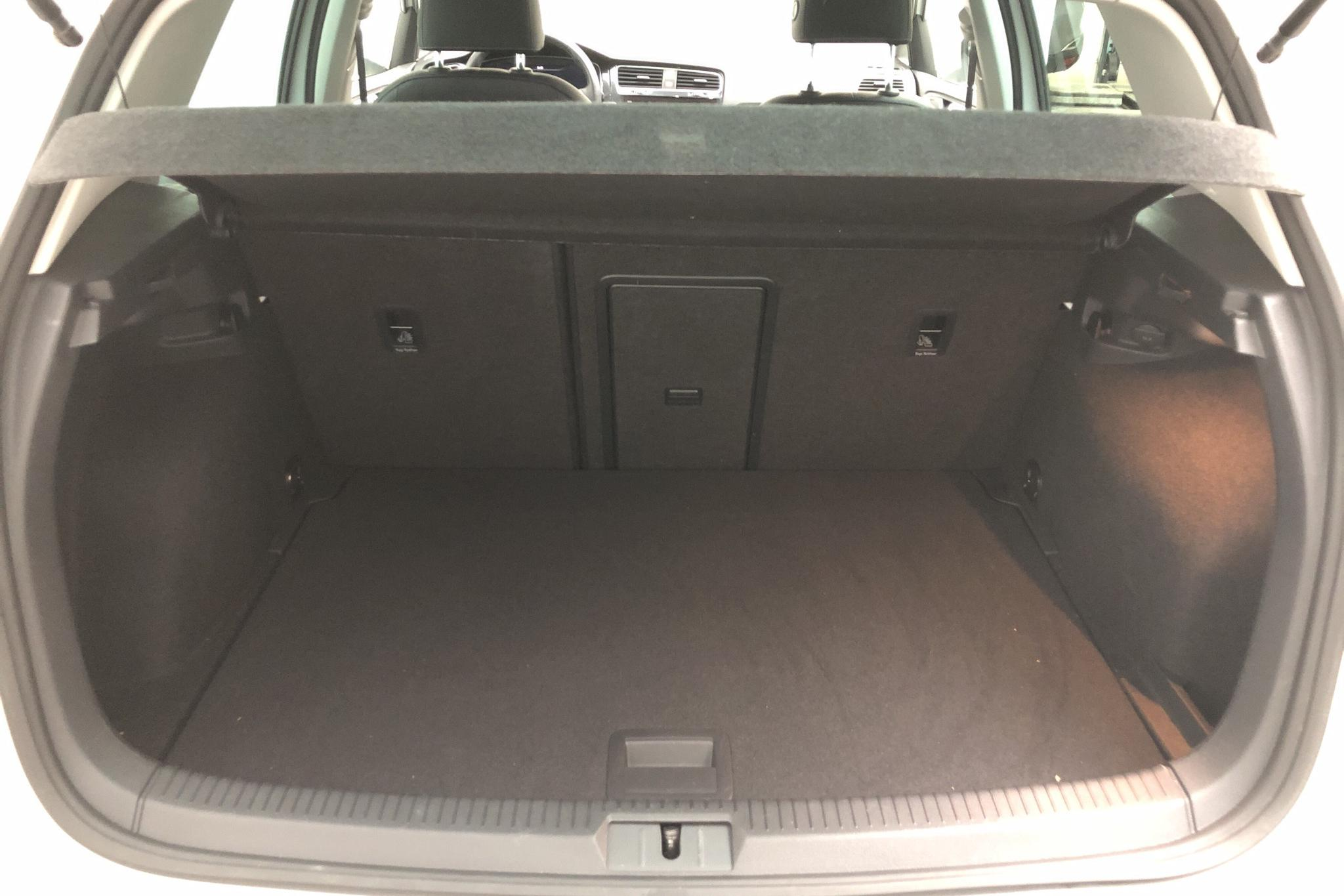 VW e-Golf VII 5dr (136hk) - 2 764 mil - Automat - vit - 2019