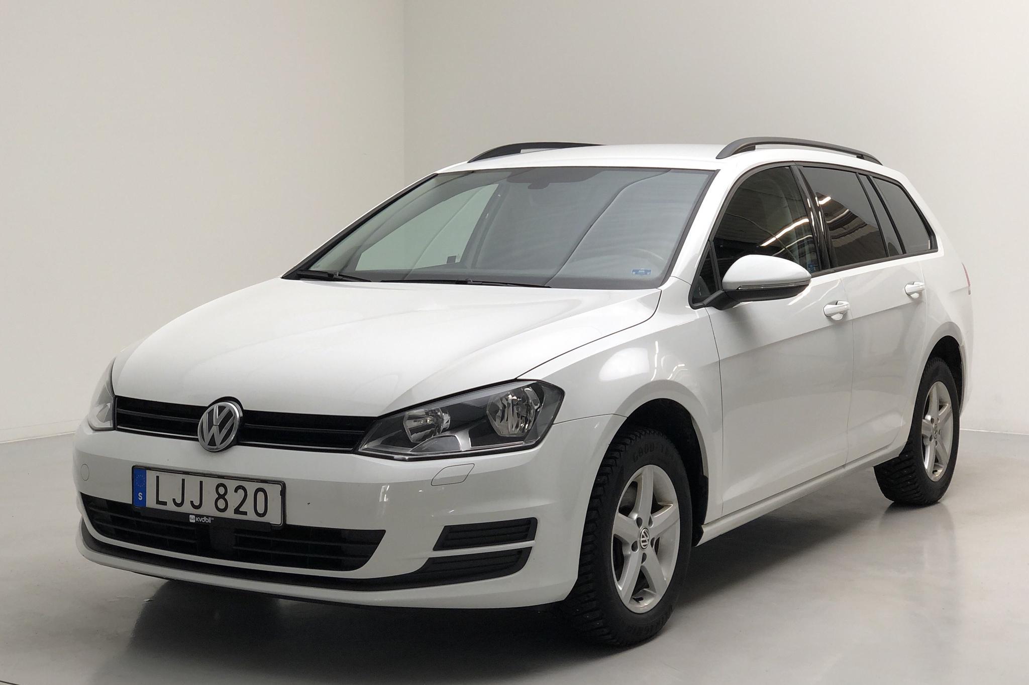 VW Golf VII 1.6 TDI BlueMotion Sportscombi (110hk) - 84 570 km - Manual - white - 2017