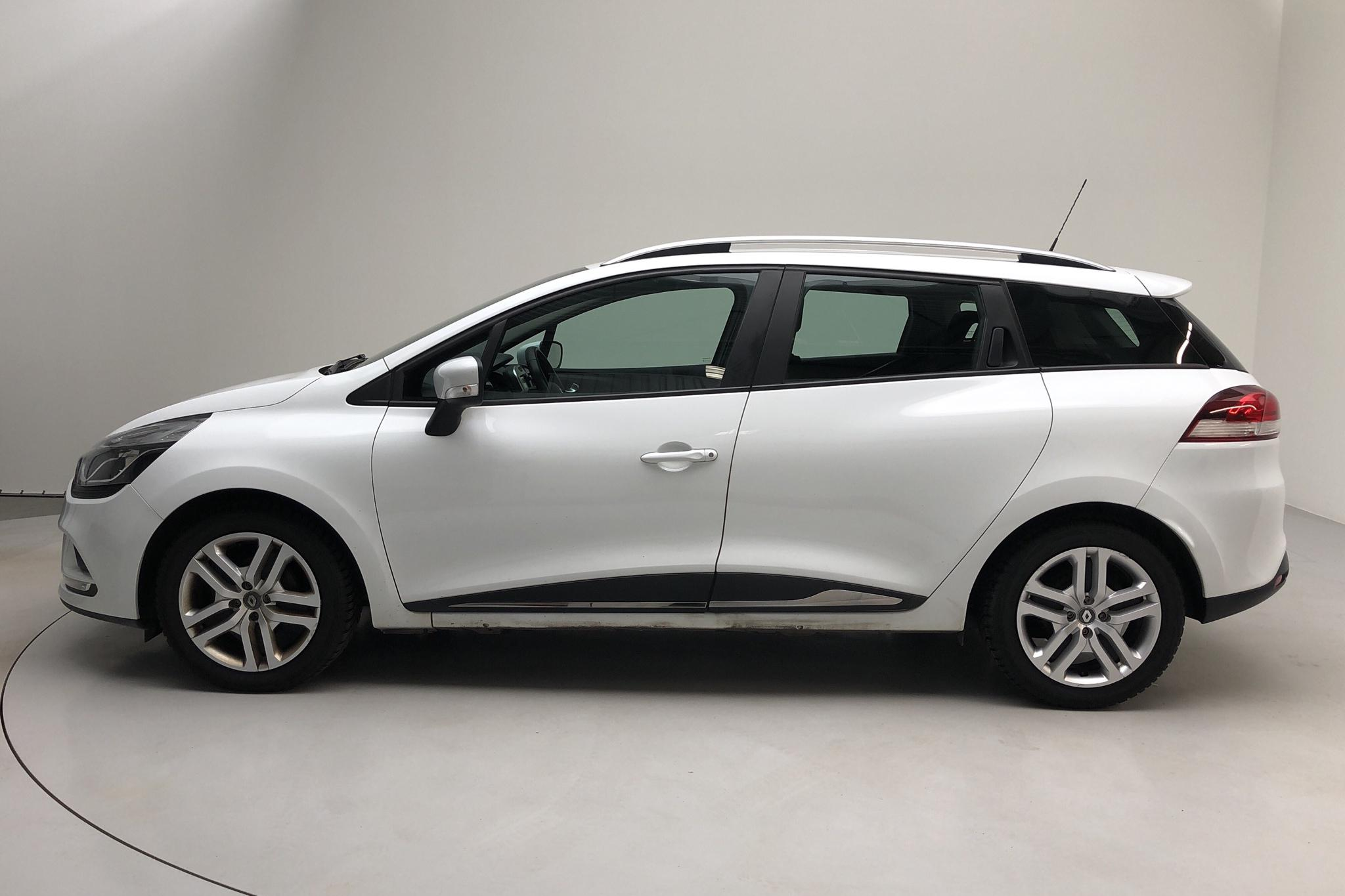 Renault Clio IV 1.2 16V Sports Tourer (75hk) - 47 300 km - Manual - white - 2016