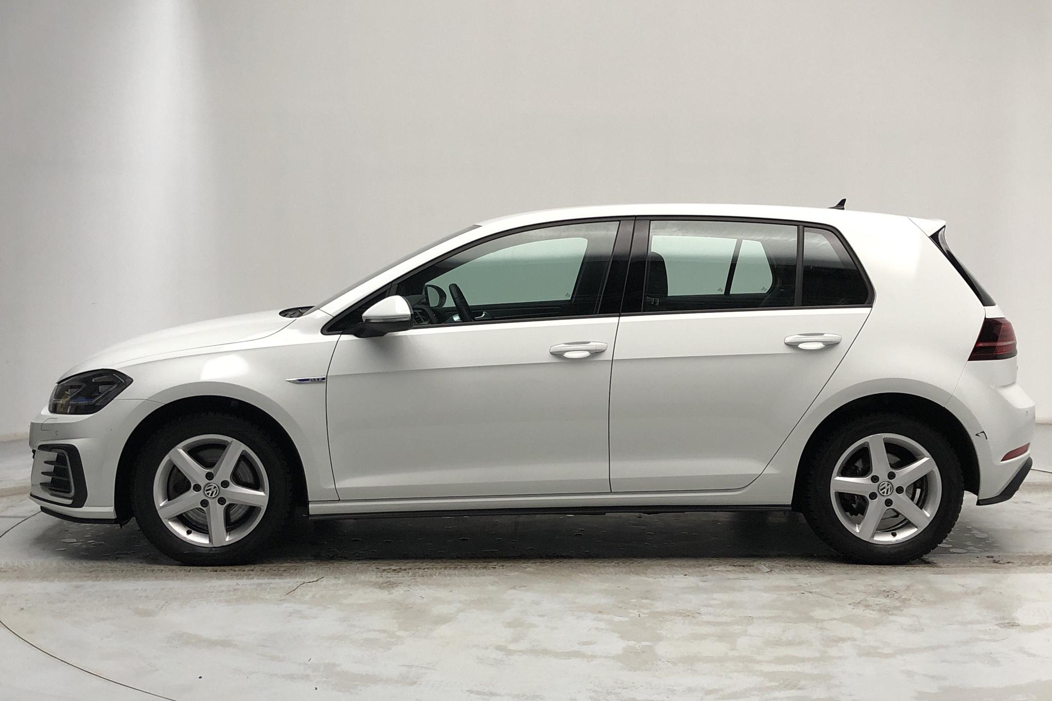 VW Golf VII GTE 5dr (204hk) - 16 430 km - Automatic - white - 2018