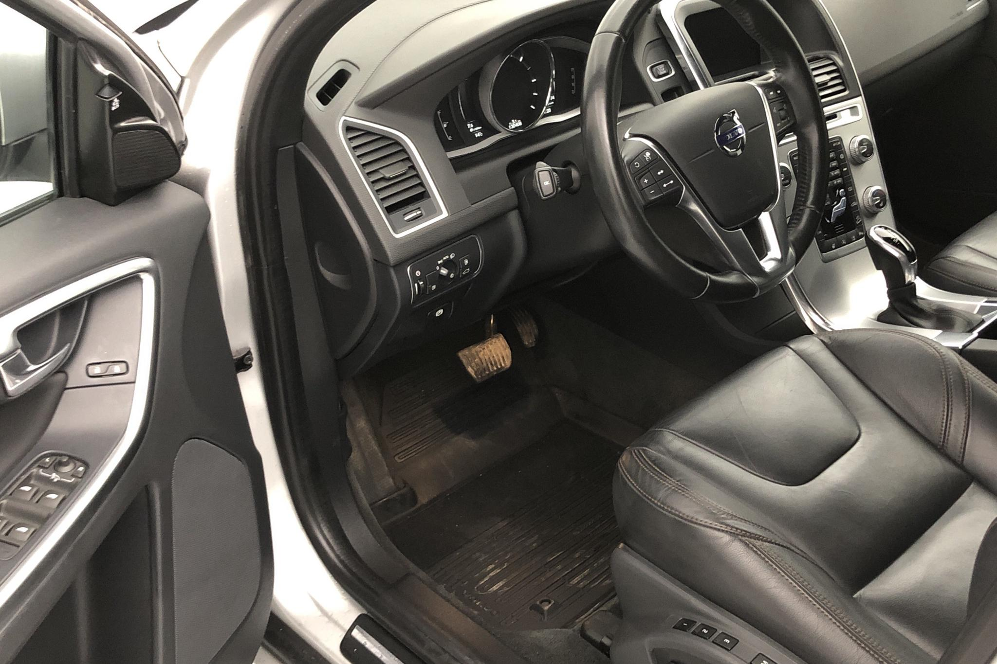 Volvo XC60 D4 AWD (190hk) - 120 400 km - Automatic - silver - 2017