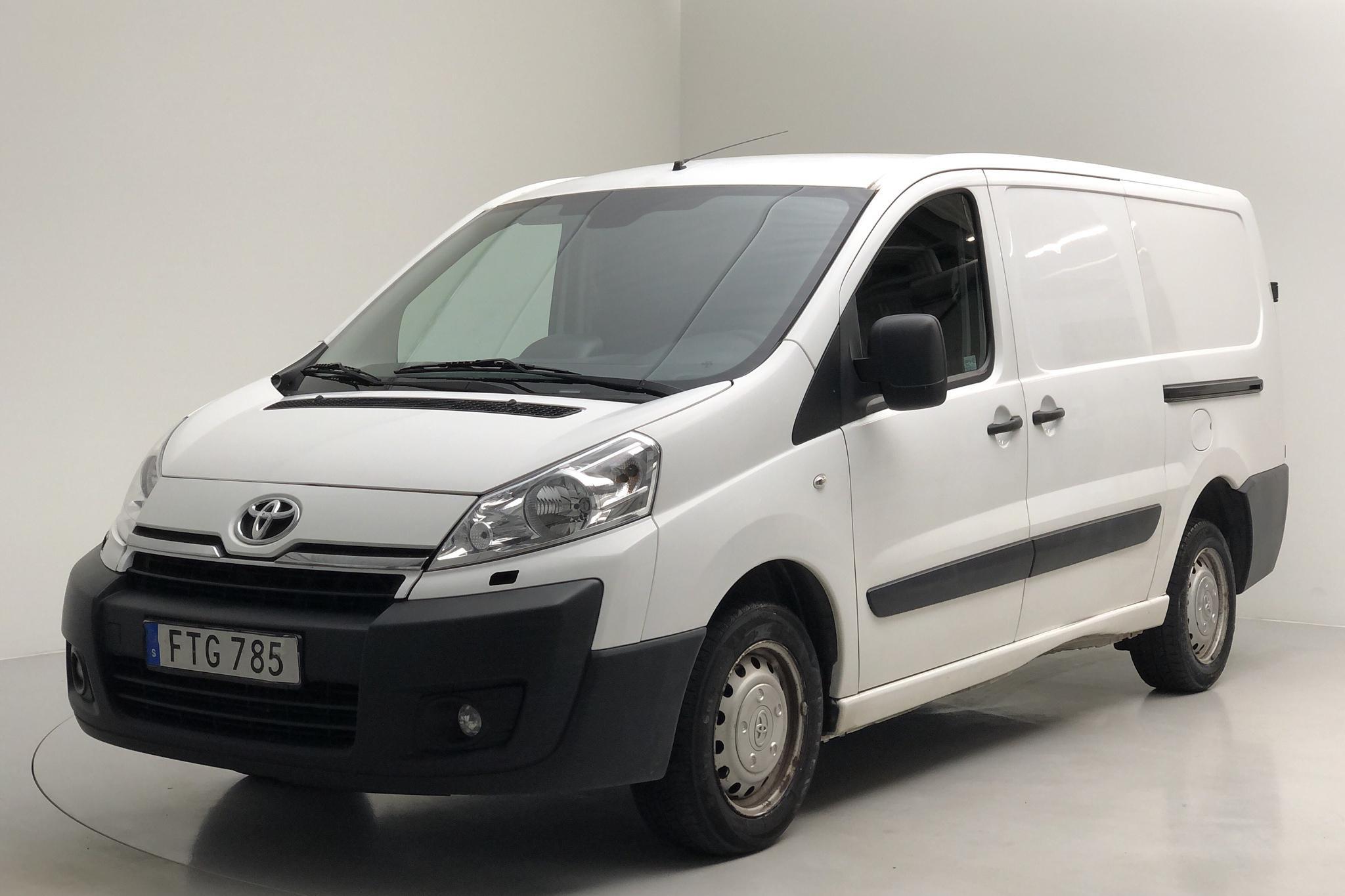 Toyota PROACE 2.0 D-4D (128hk) - 19 097 mil - Manuell - vit - 2015