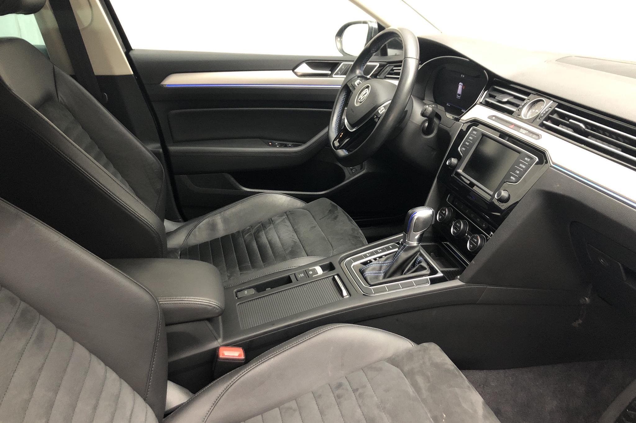 VW Passat 1.4 Plug-in-Hybrid Sportscombi (218hk) - 65 840 km - Automatic - black - 2017