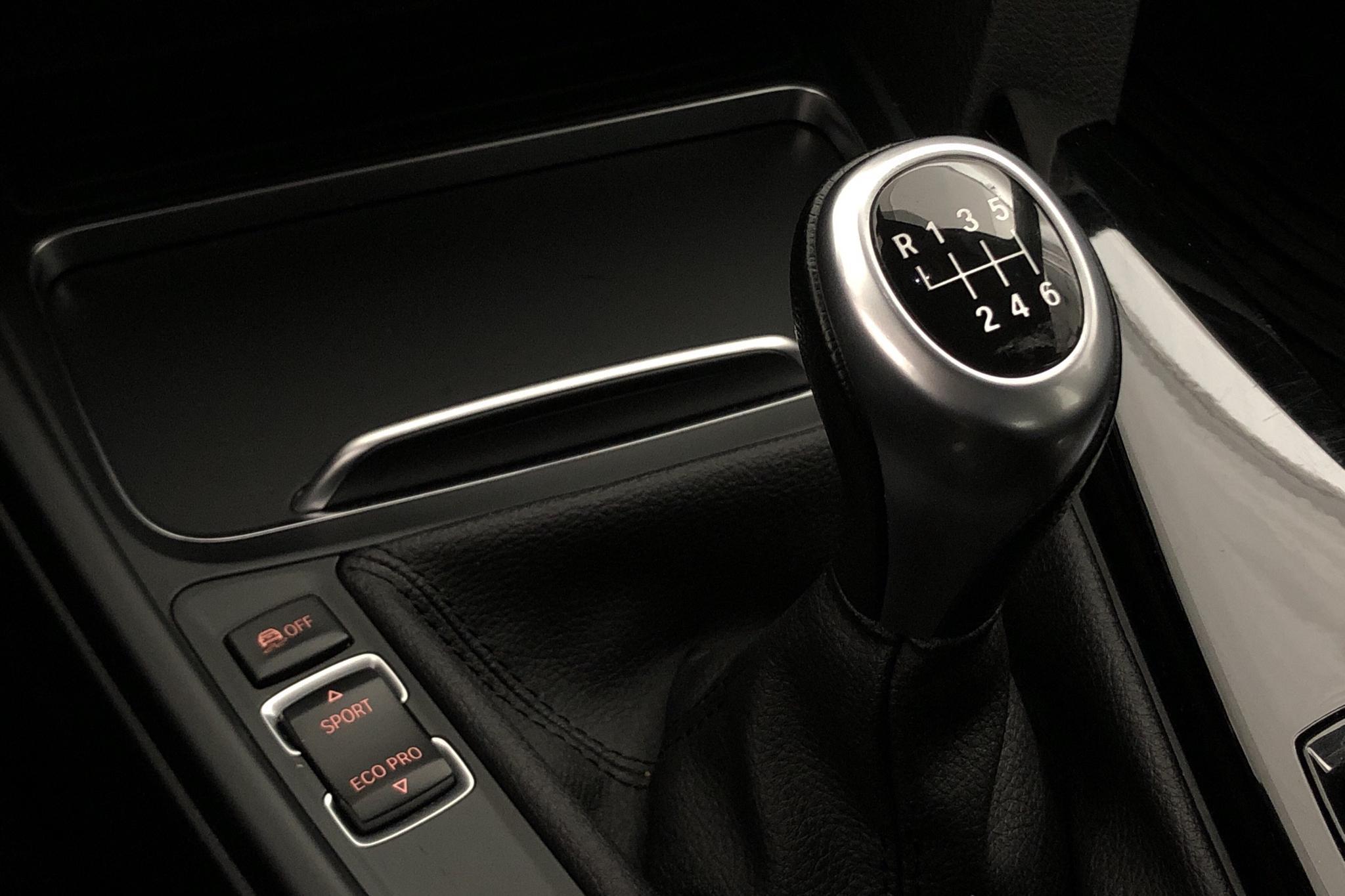 BMW 320d xDrive Sedan, F30 (190hk) - 11 959 mil - Manuell - svart - 2018