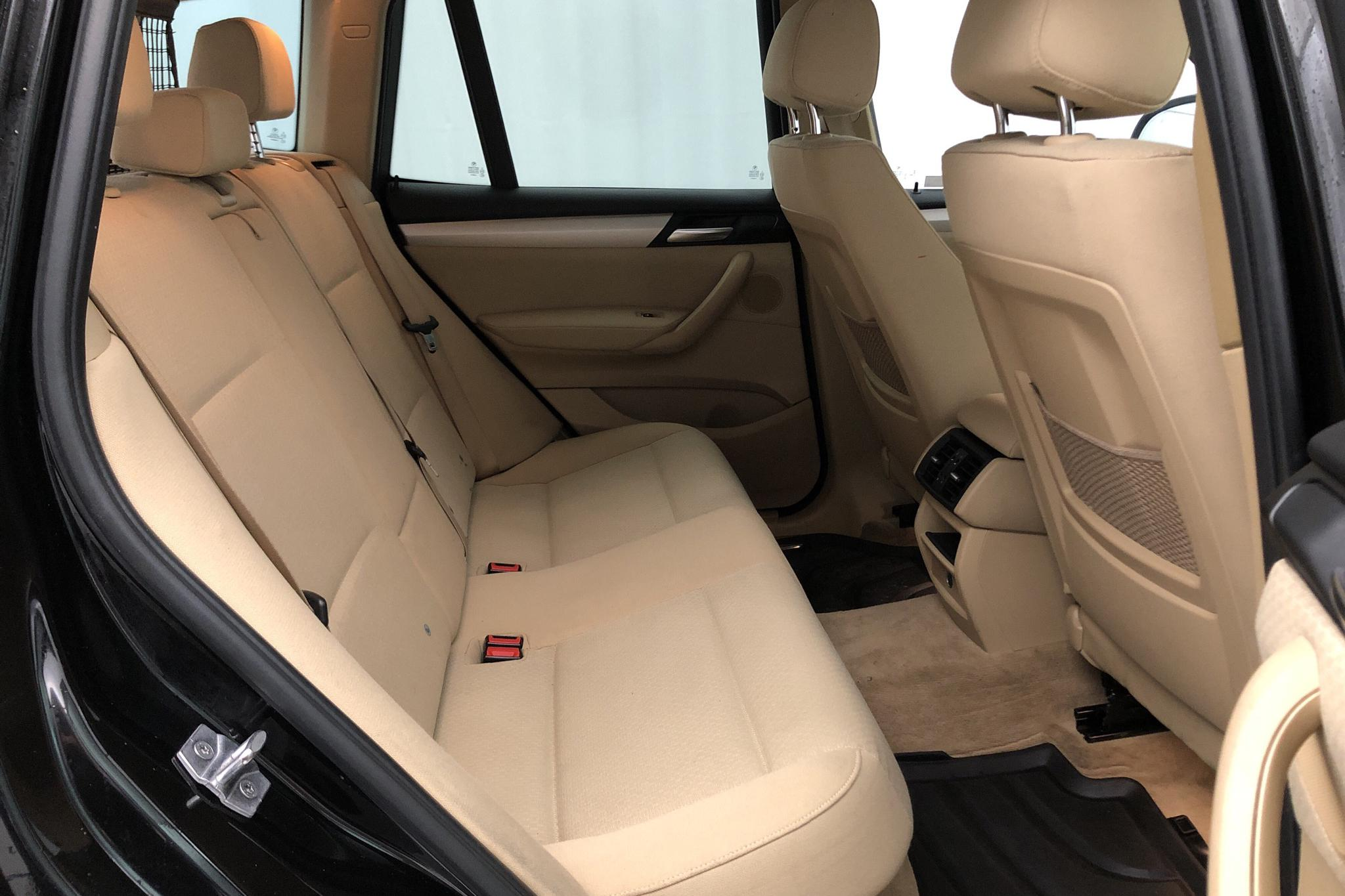 BMW X3 sDrive18d, F25 (150hk) - 5 641 mil - Manuell - svart - 2017