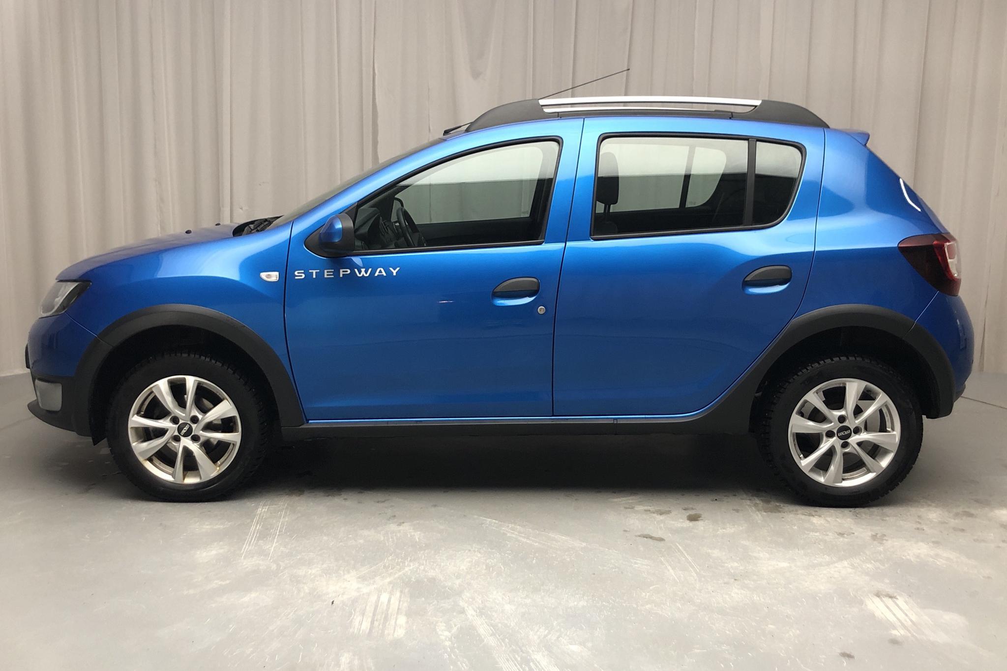 Dacia Sandero 1.5 dCi Stepway (90hk) - 10 448 mil - Manuell - Light Blue - 2015