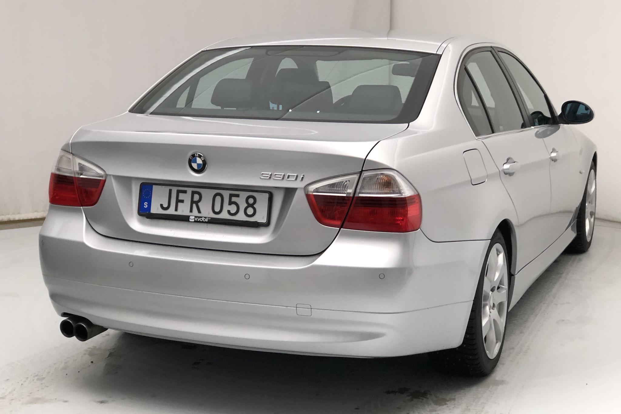 BMW 330i Sedan, E90 (258hk) - 18 737 mil - Automat - Light Grey - 2007