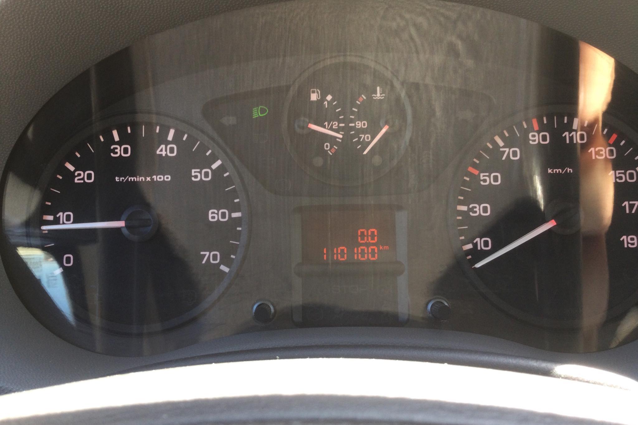 Peugeot Expert 2.0 HDI Skåp (120hk) - 11 010 mil - Manuell - vit - 2007