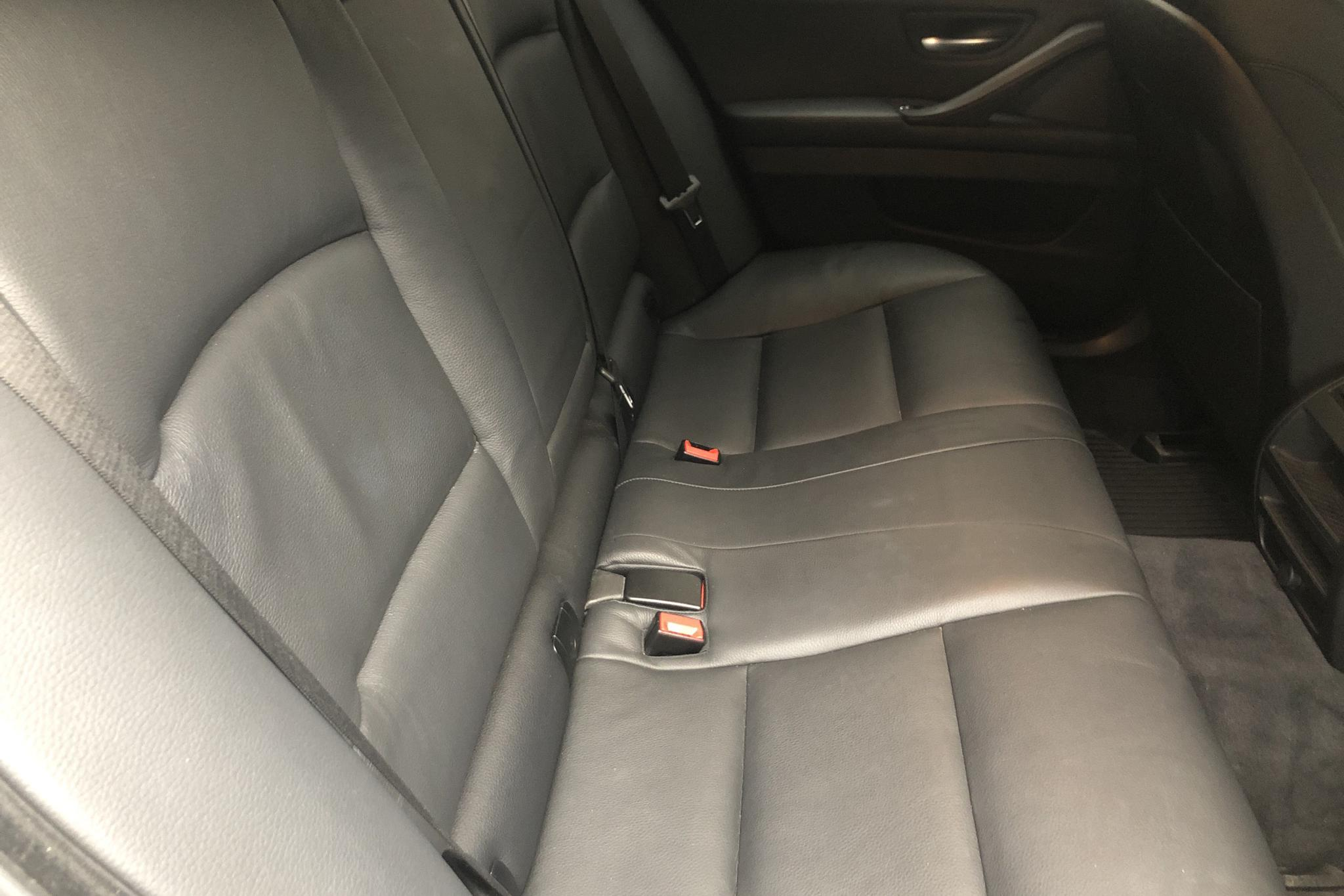 BMW 520d Touring, F11 (190hk) - 102 930 km - Automatic - white - 2017