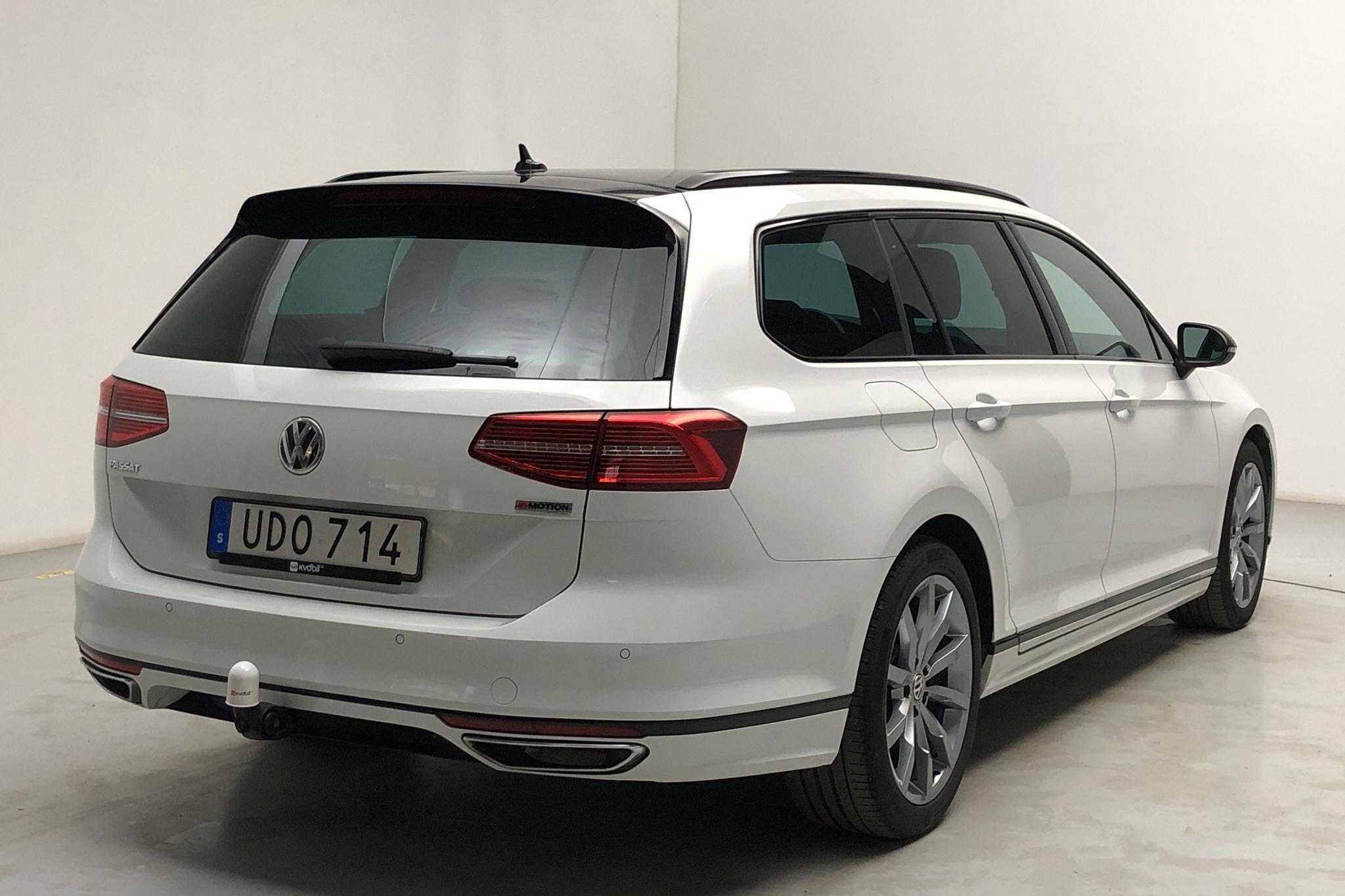 VW Passat 2.0 TSI Sportscombi 4Motion (272hk) - 45 060 km - Automatic - white - 2019