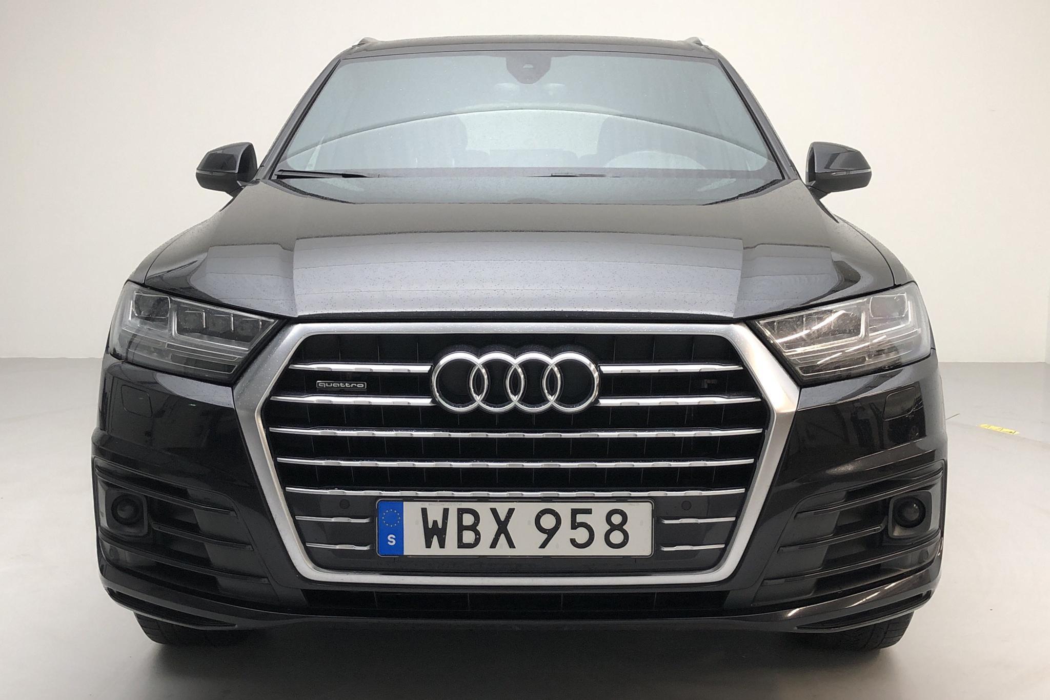 Audi Q7 3.0 TDI quattro (272hk) - 10 272 mil - Automat - svart - 2018