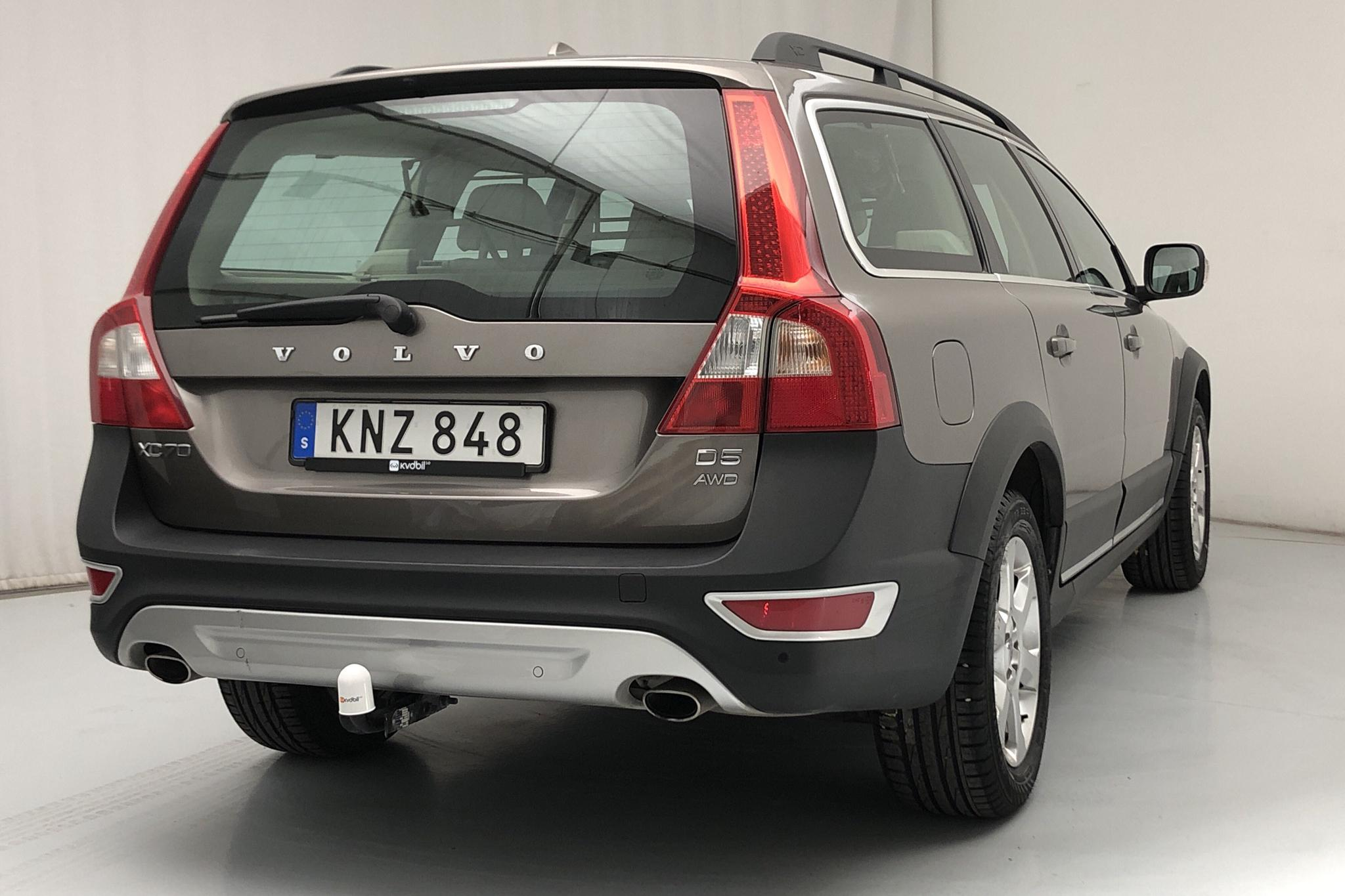 Volvo XC70 II D5 AWD (205hk) - 121 170 km - Automatic - brown - 2011