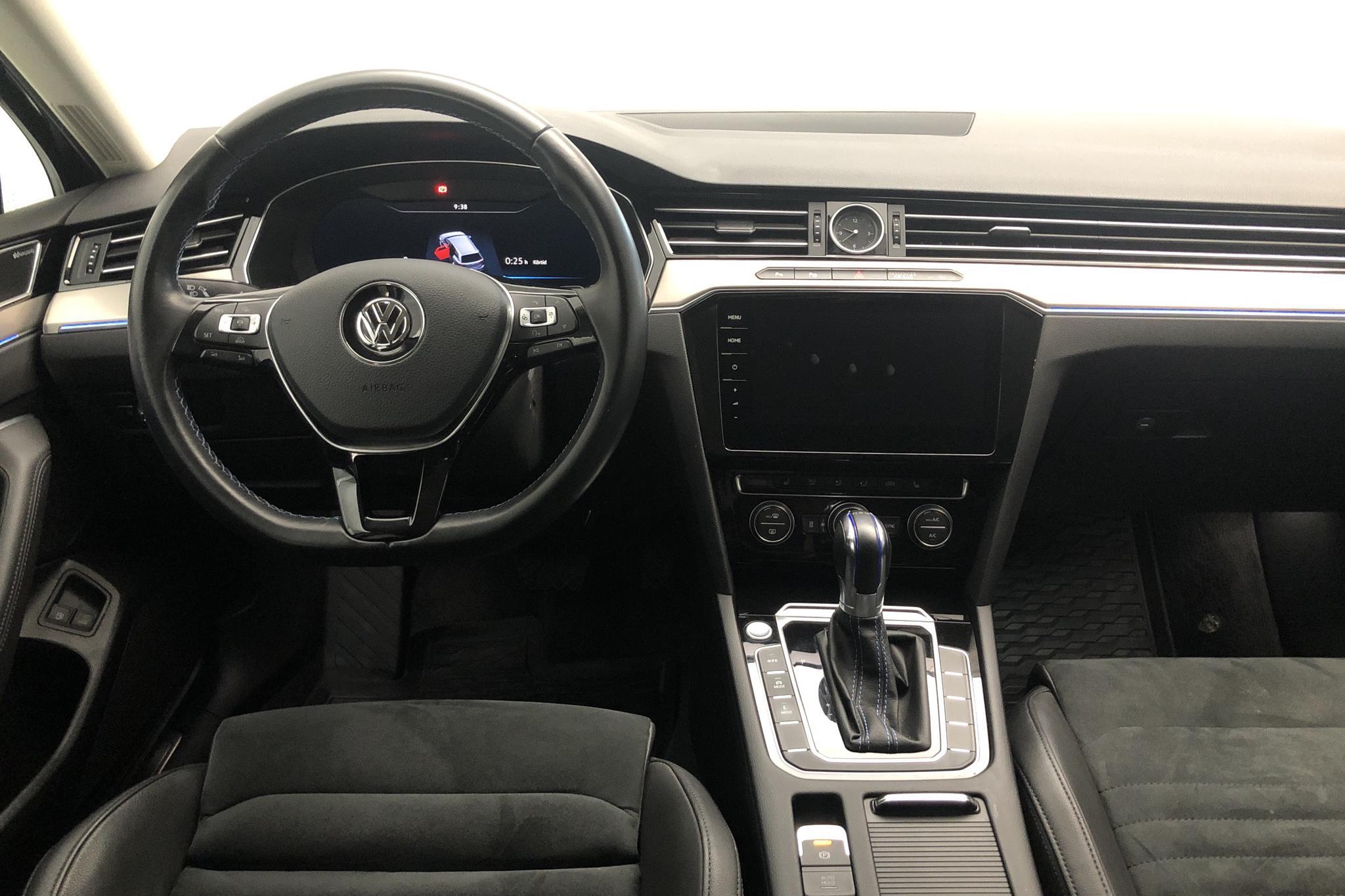 VW Passat 1.4 Plug-in-Hybrid Sportscombi (218hk) - 10 363 mil - Automat - svart - 2018