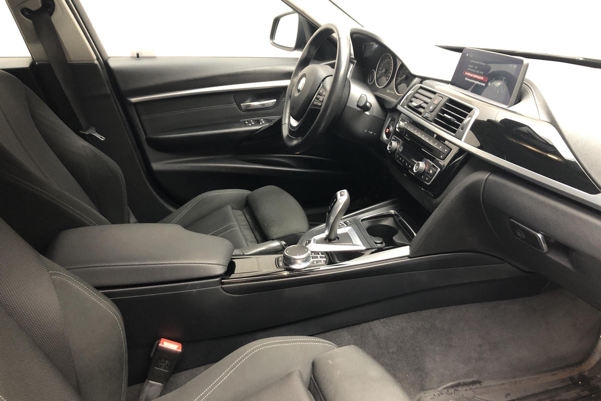 BMW 330e Sedan, F30 (252hk) - 68 680 km - Automatic - black - 2018