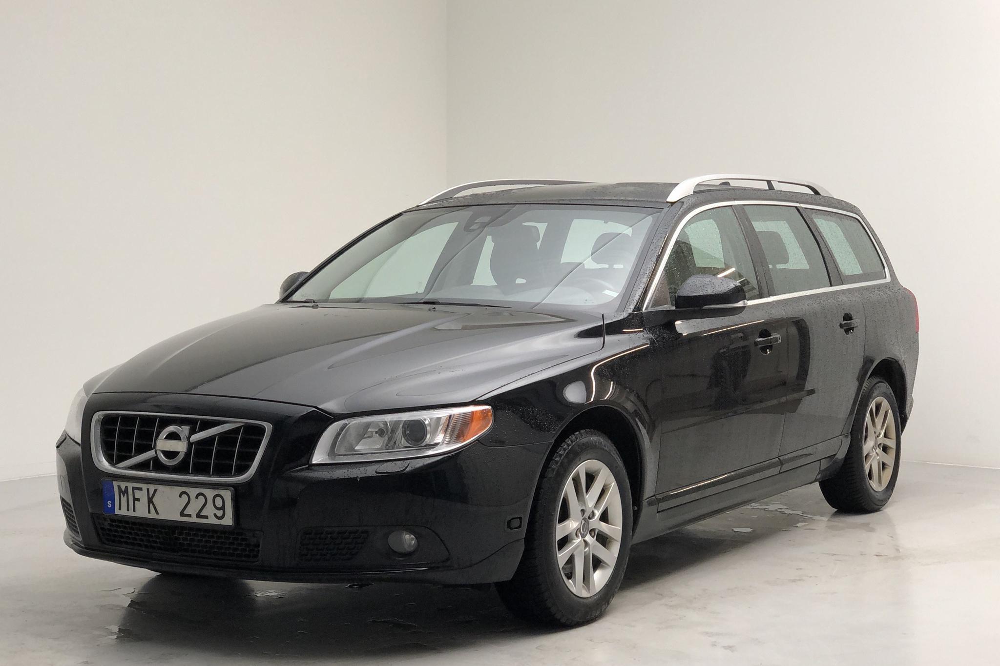 Volvo V70 II T4F (180hk) - 153 990 km - Manual - black - 2012