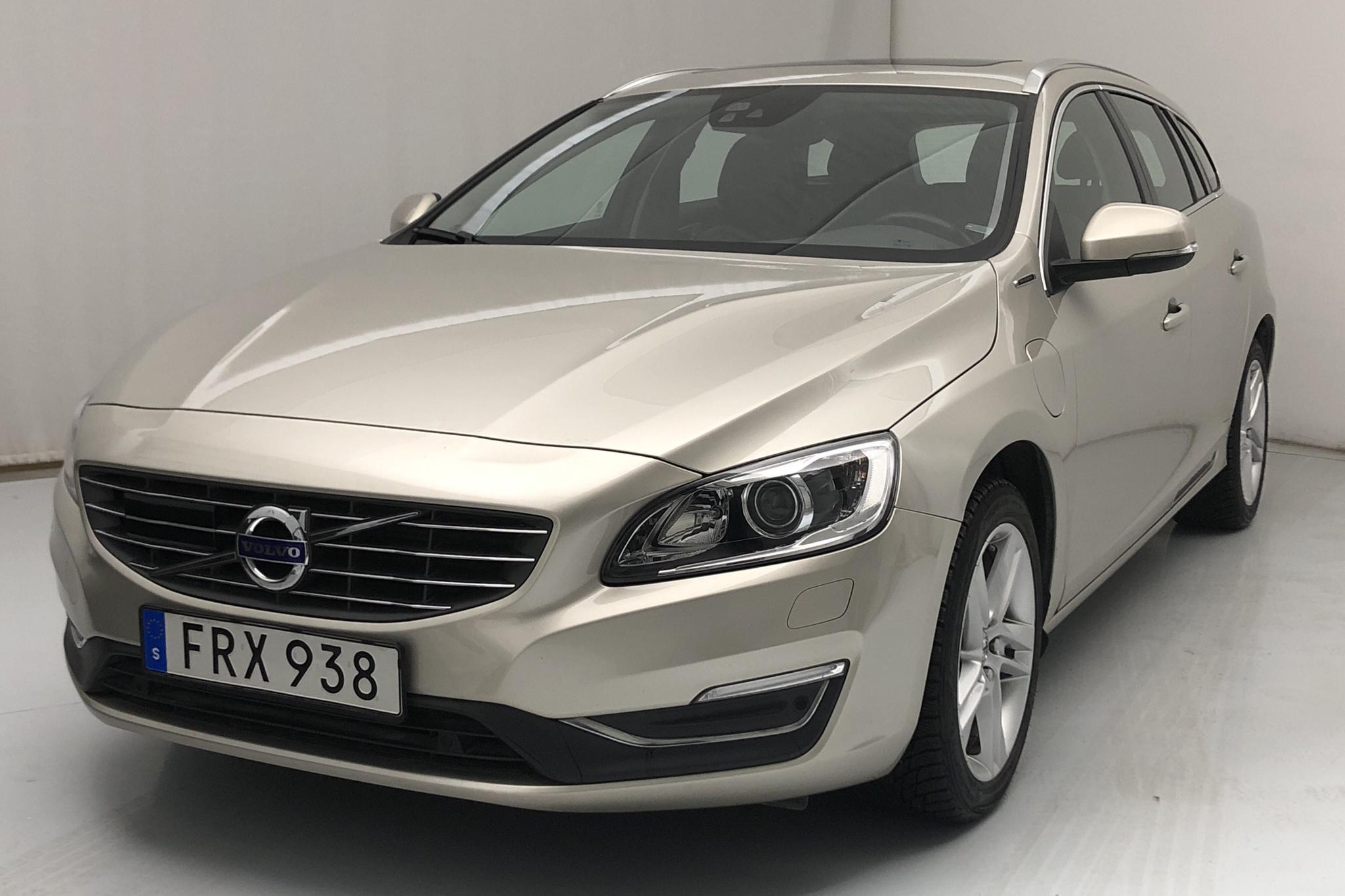 Volvo V60 D5 AWD Twin Engine (163hk) - 4 288 mil - Automat - Light Brown - 2017