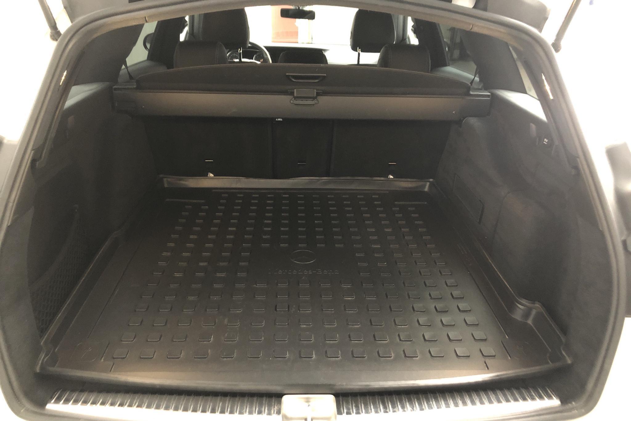 Mercedes E 220 d Kombi S213 (194hk) - 98 520 km - Automatic - white - 2018