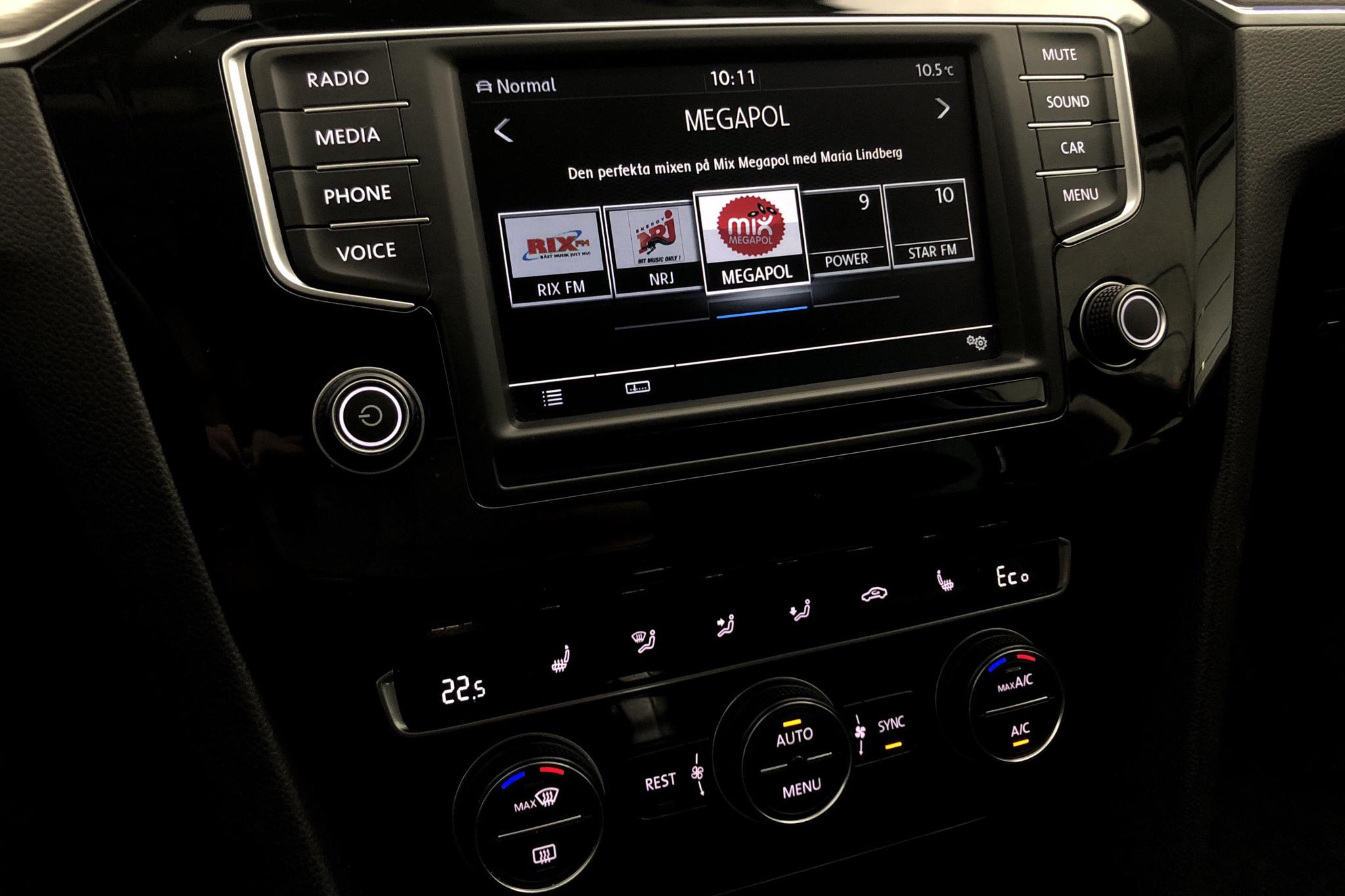 VW Passat 1.4 Plug-in-Hybrid Sportscombi (218hk) - 12 995 mil - Automat - Dark Grey - 2017